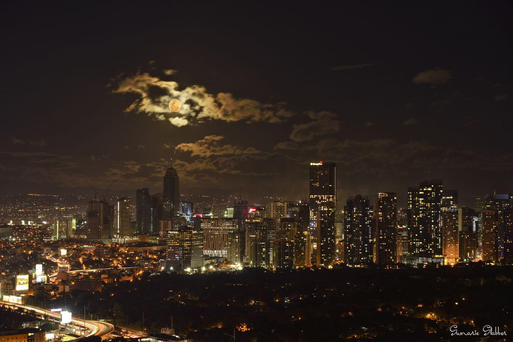 Wallpaper : sumarieslabber, city, Moon, clouds, Manila ...