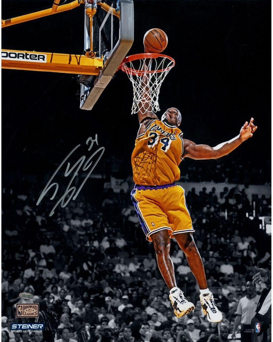 Shaquille O'Neal signed Lakers Dunk in Gold 16x20 Photo
