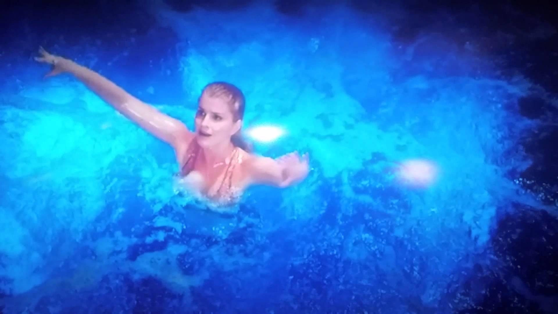 mako mermaids siren song download