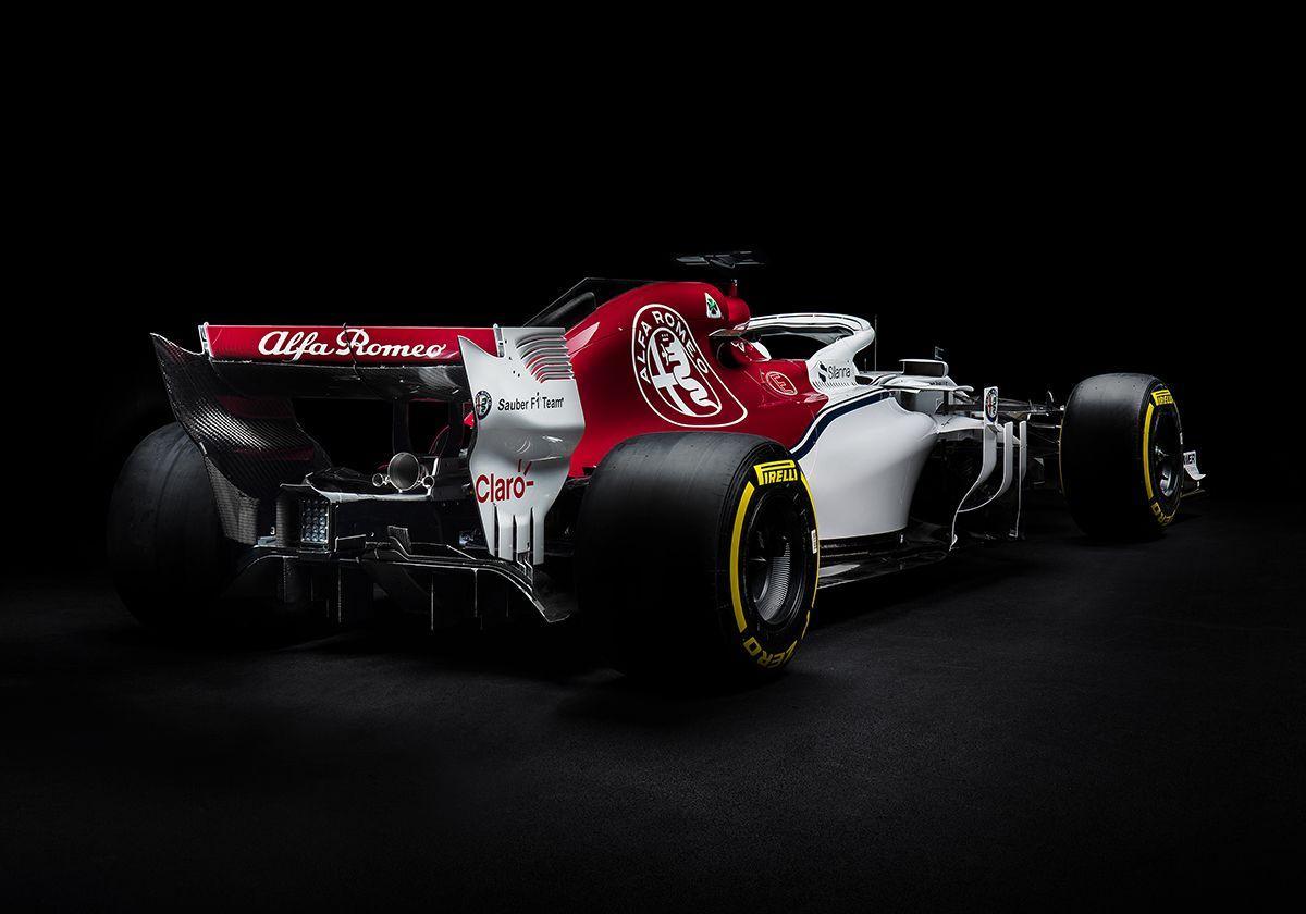 Alfa Romeo Sauber C37 Zoom Background 5