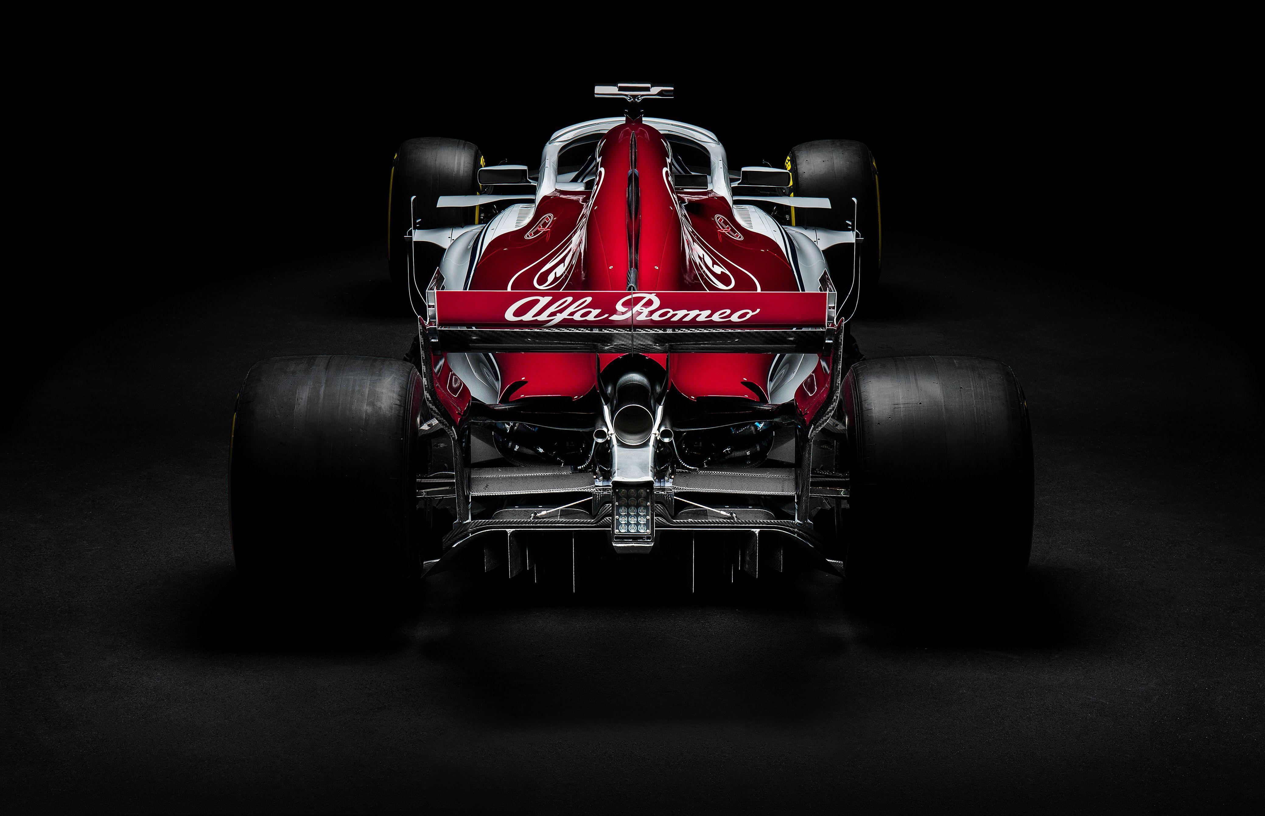 Alfa Romeo Sauber C37 Zoom Background 6