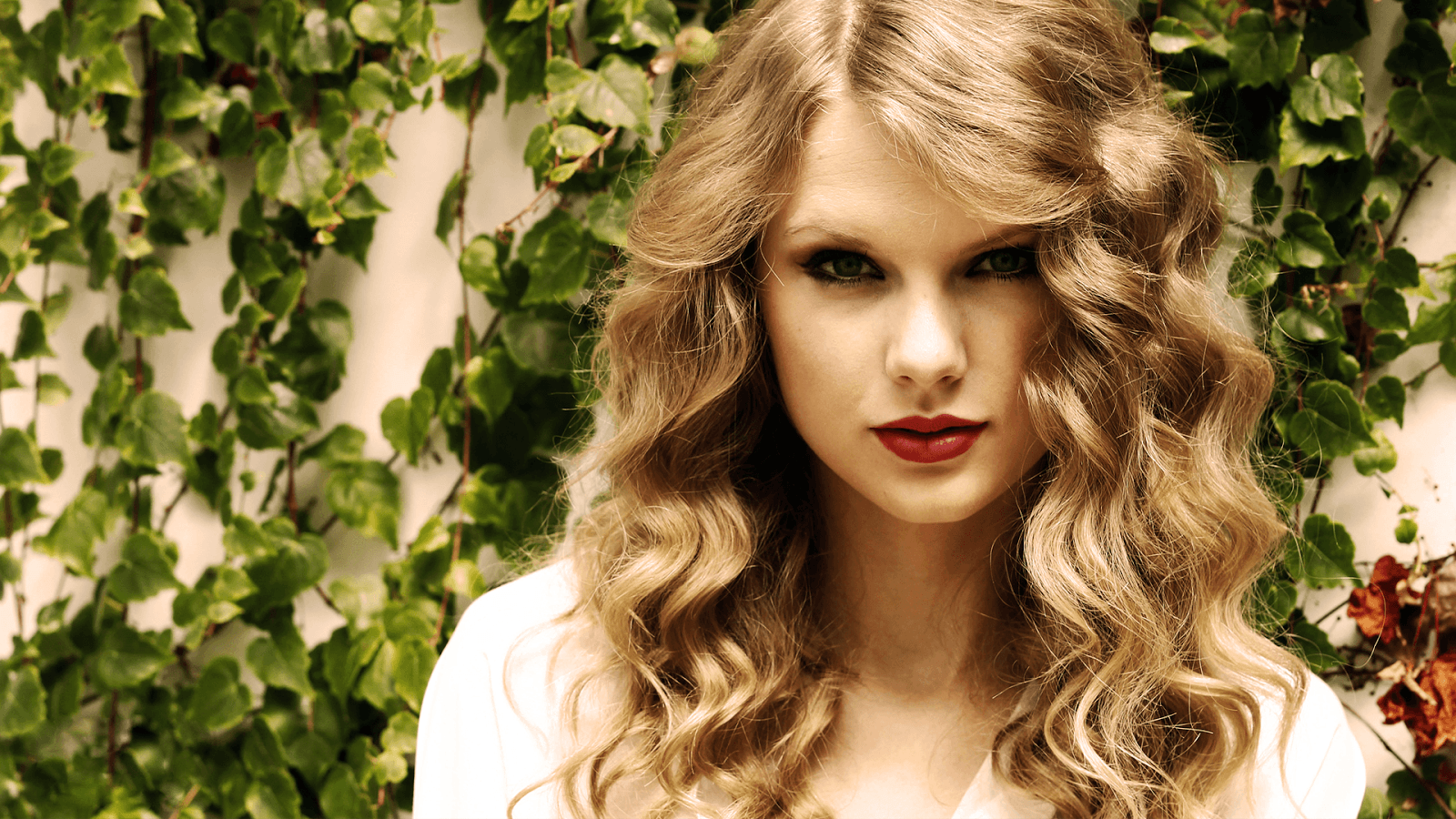 Taylor Swift Wallpaper HD Pictures | Download Wallpaper ...