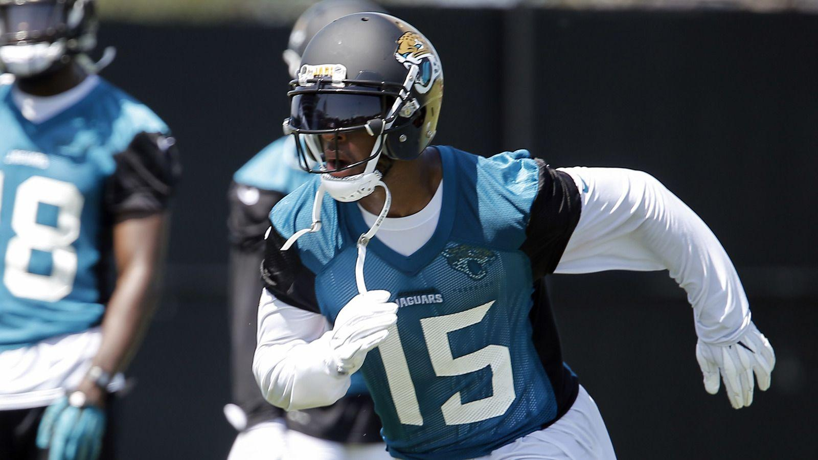 Blake Bortles patted Allen Robinson on injured knee | Yardbarker.com