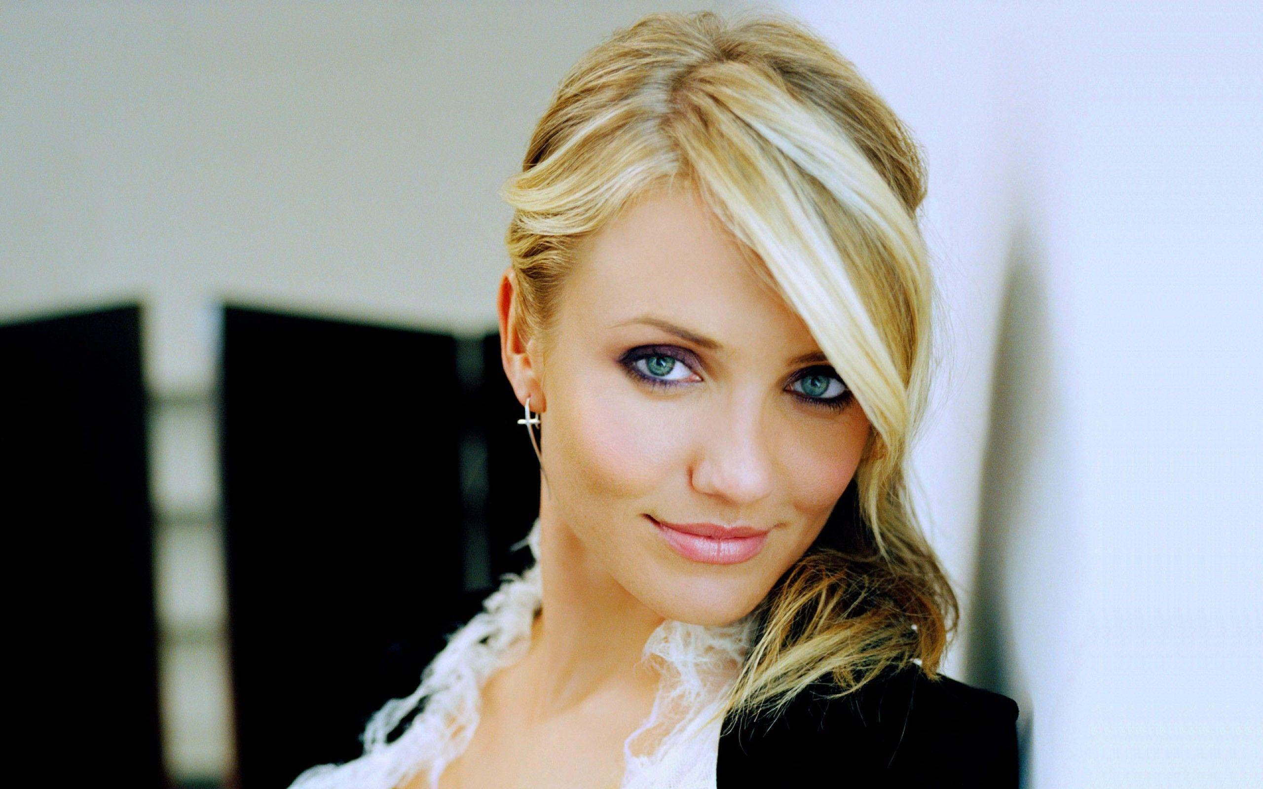 Cameron Diaz 4 Hollywood Actress Wallpapers