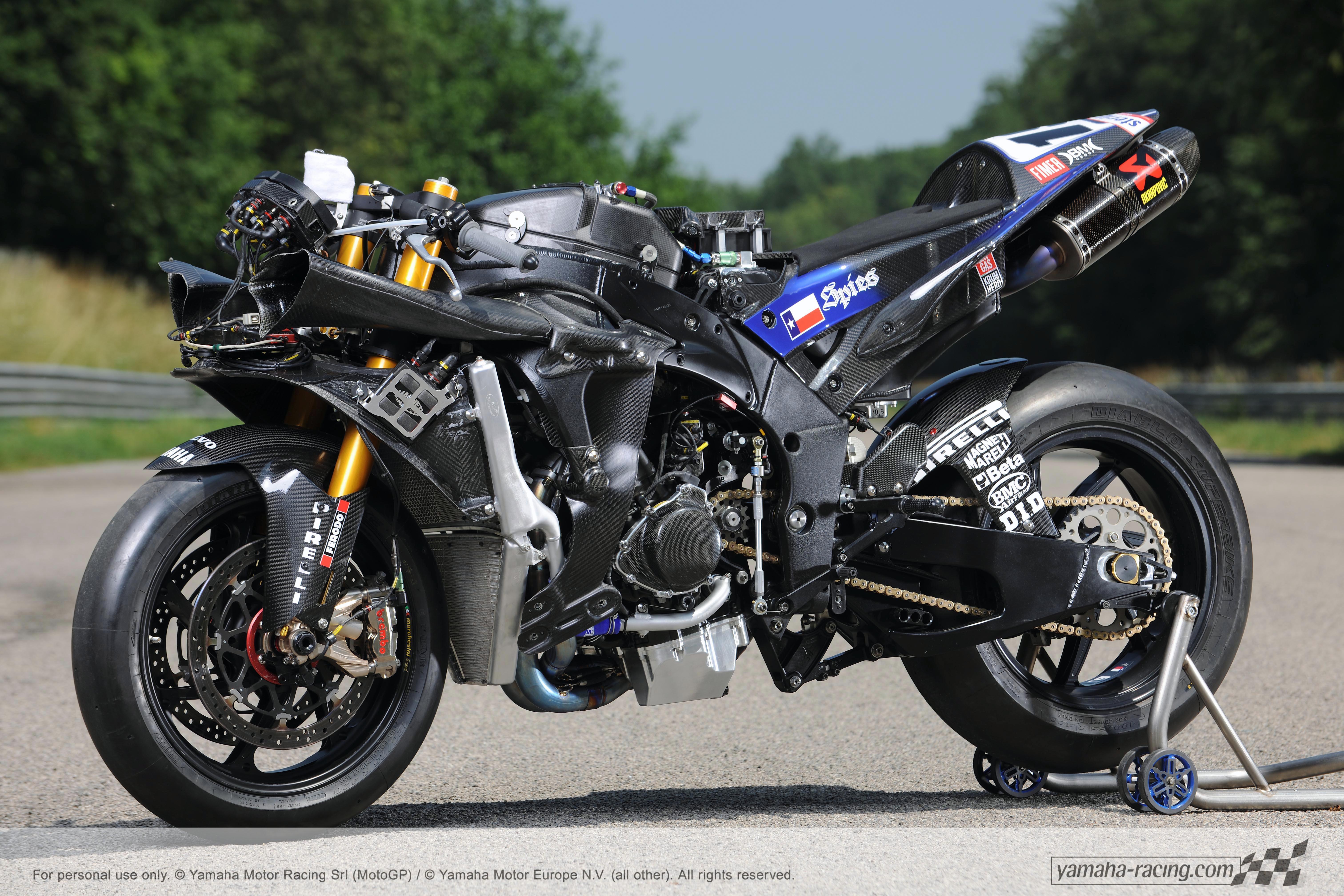 Yamaha YZR-M1 Wallpapers