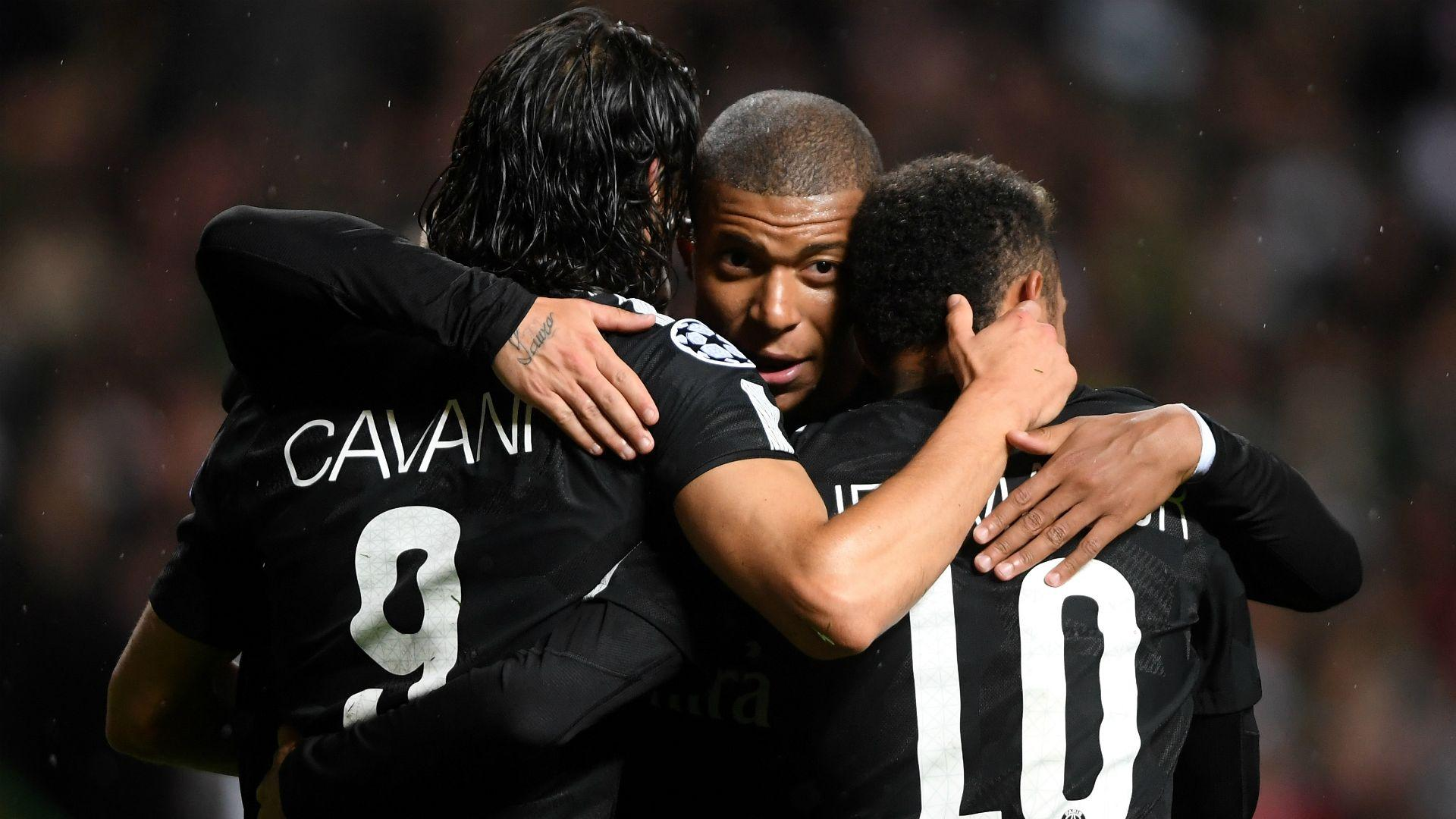 Playing with PSG stars Cavani and Neymar is easy, says Mbappe