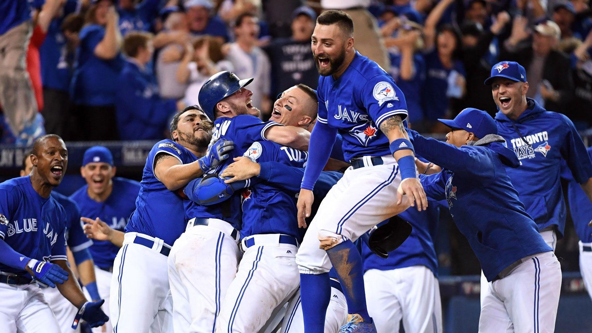 Blue Jays sweep Rangers, head to ALCS on Donaldson's dash home