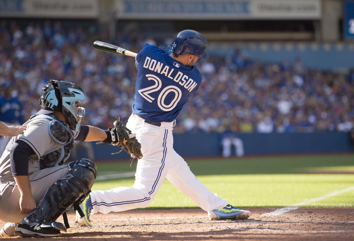 Donaldson hits 41st HR with 2 outs in 9th, Toronto tops Rays