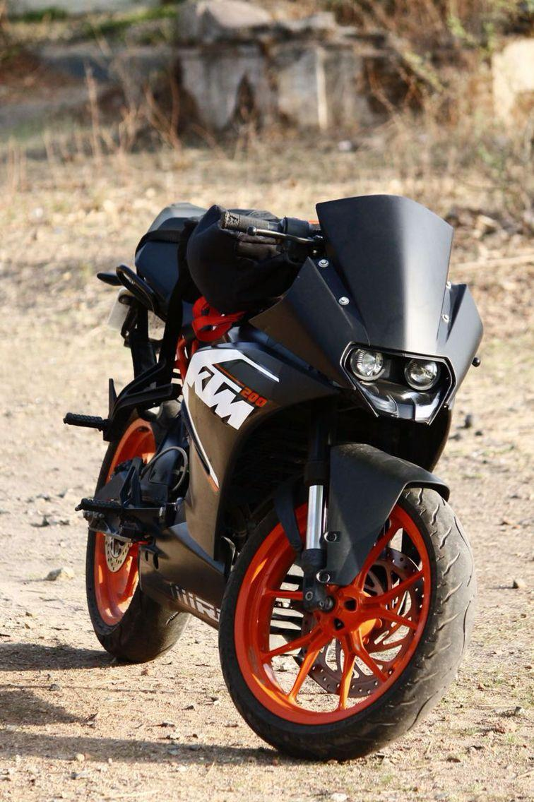 KTM RC 200 with wrapped Black Visor