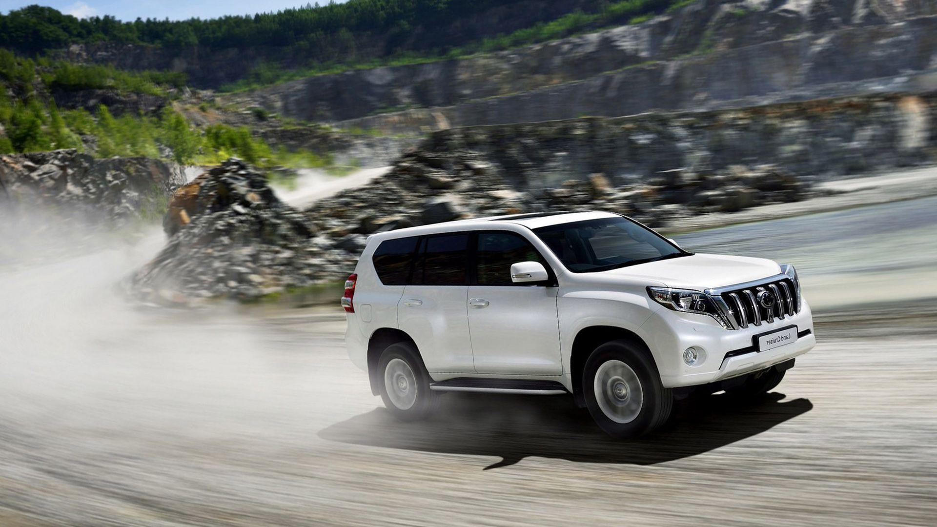 New 2016 Toyota Land Cruiser Wallpapers