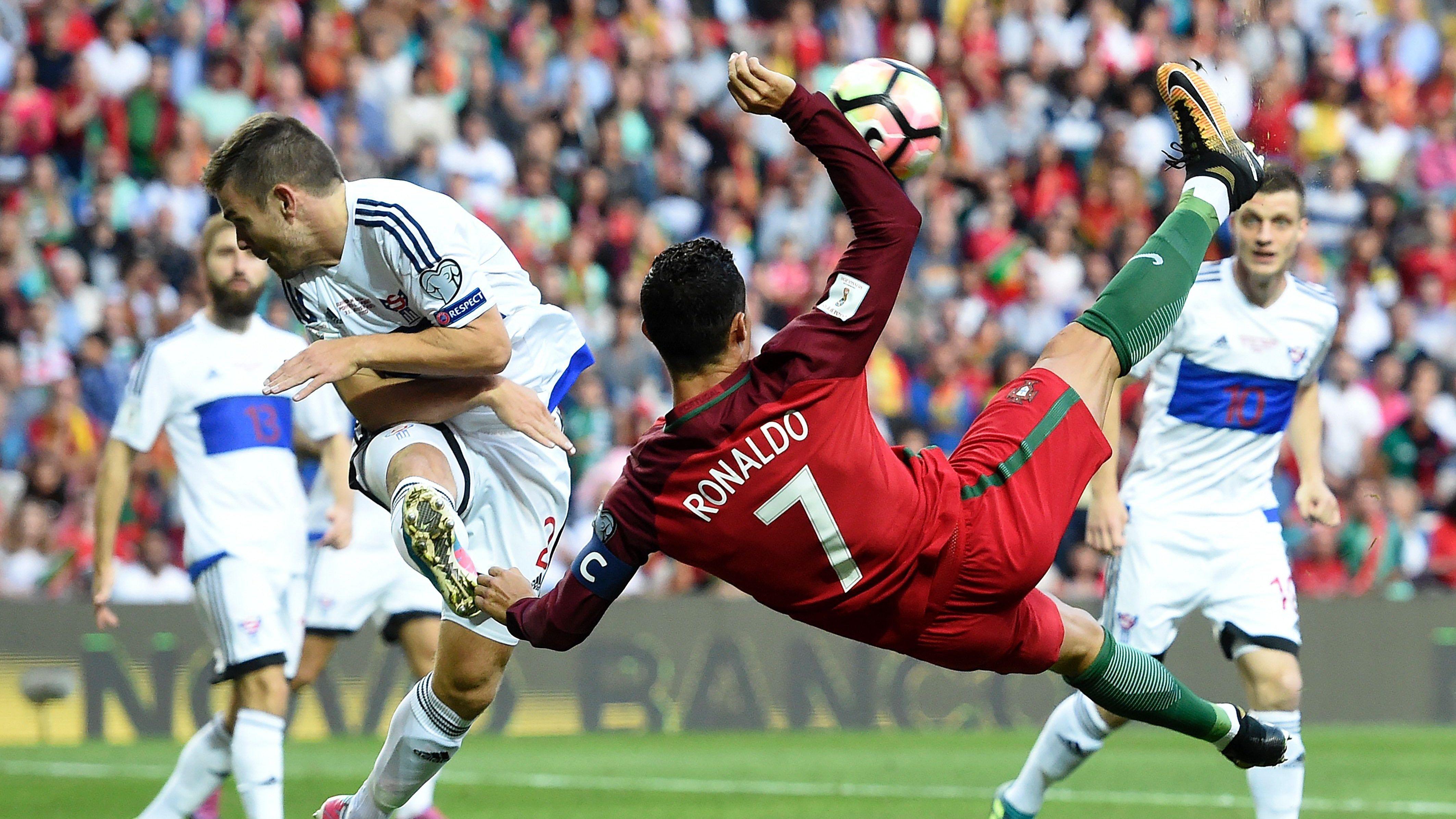 Cristiano Ronaldo Overhead Kick Wallpapers