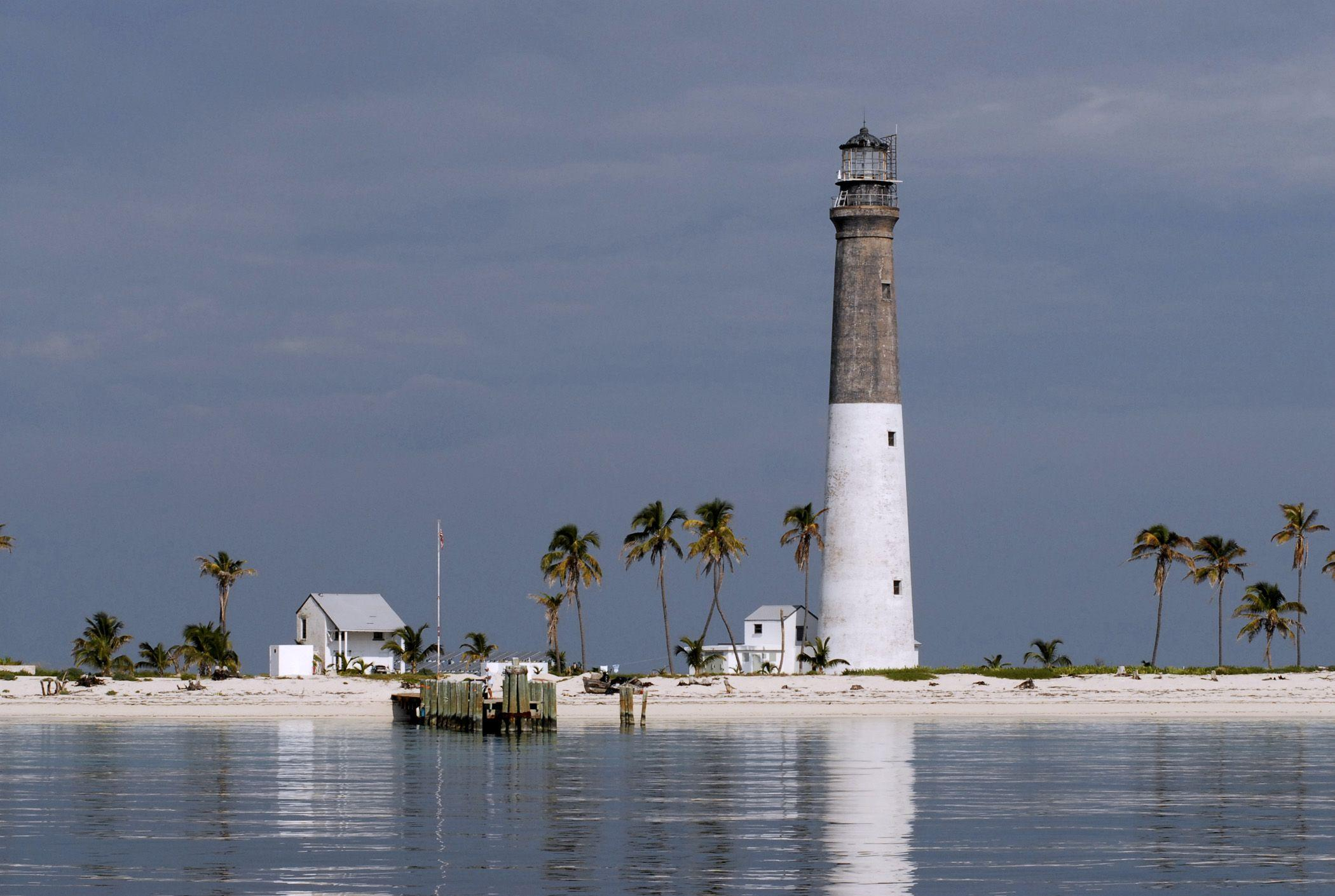 Dry Tortugas: Coastal Fortress, Coral Reefs, Marine Life