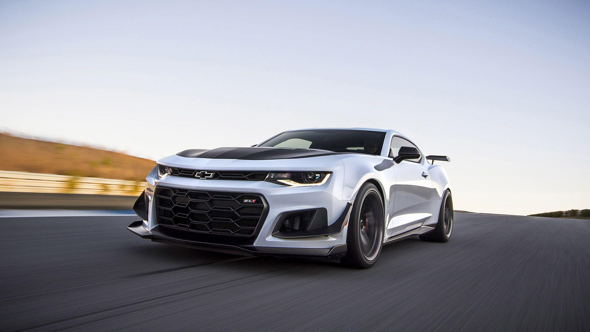 2018 Chevrolet Camaro ZL1 1LE Wallpapers & HD Image