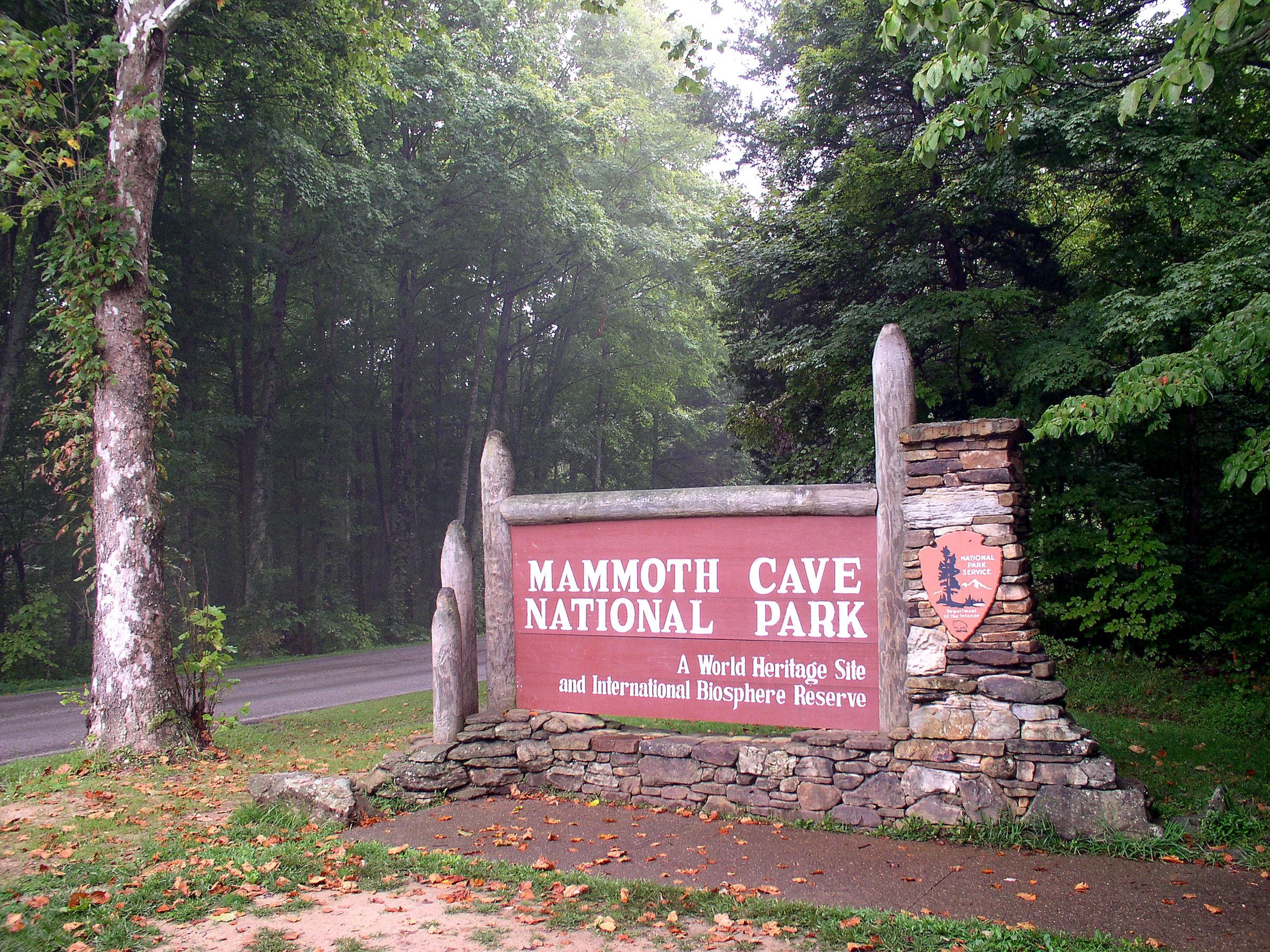 File:Mammoth Cave National Park PARKENTR.jpg