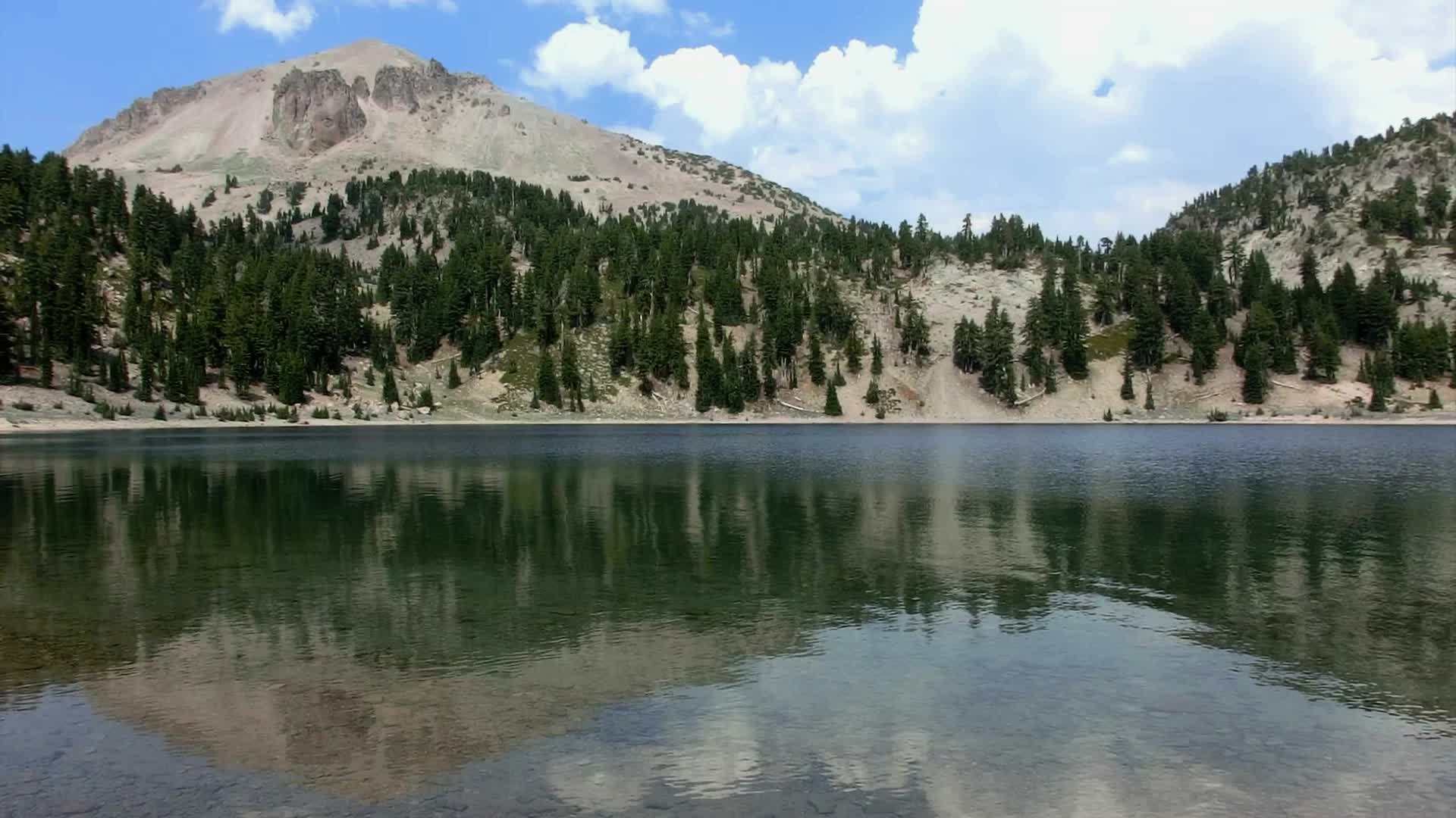 Lassen volcanic national park 30 Lassen Peak and Lake Helen ~ Hi ...