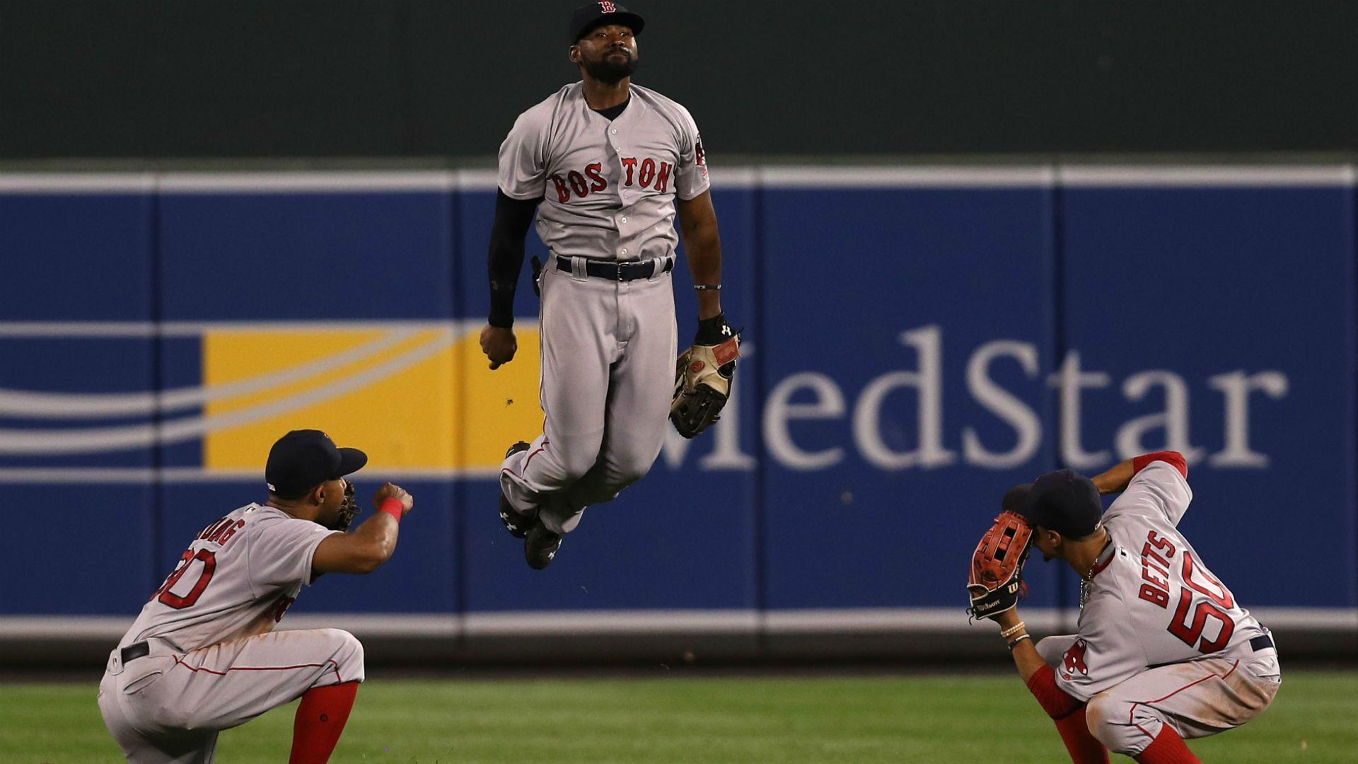 Red Sox turn O's gift into another victory, move game closer to AL