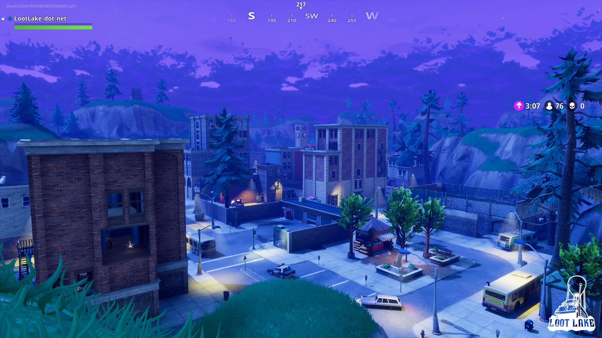 Tilted Towers - Loot Lake