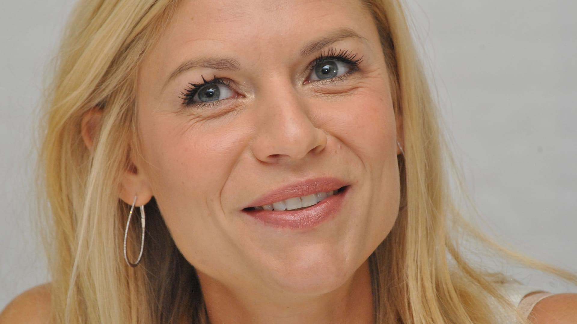claire danes smile high quality wallpapers