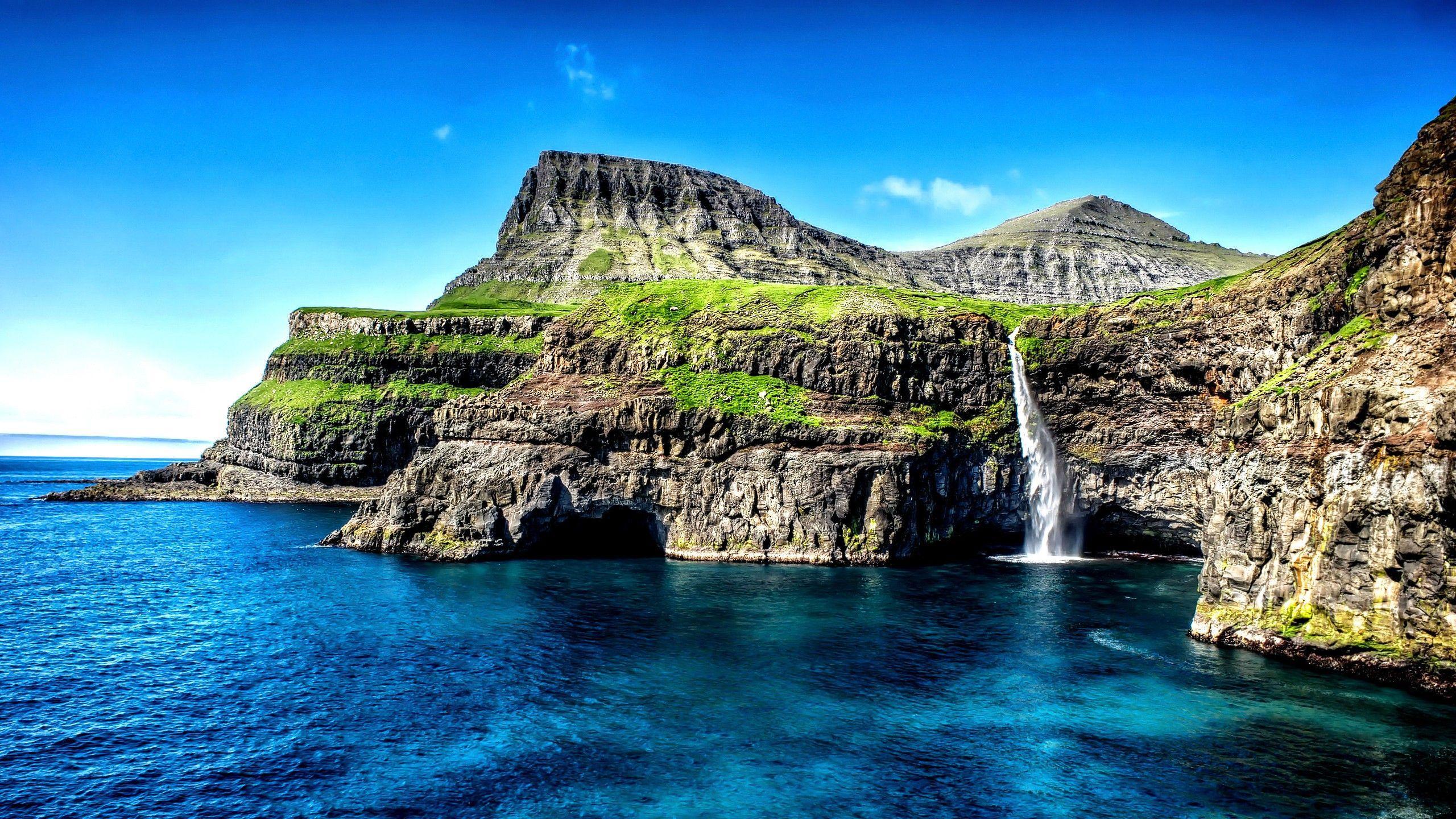Hawaii Islands Waterfall Wallpapers