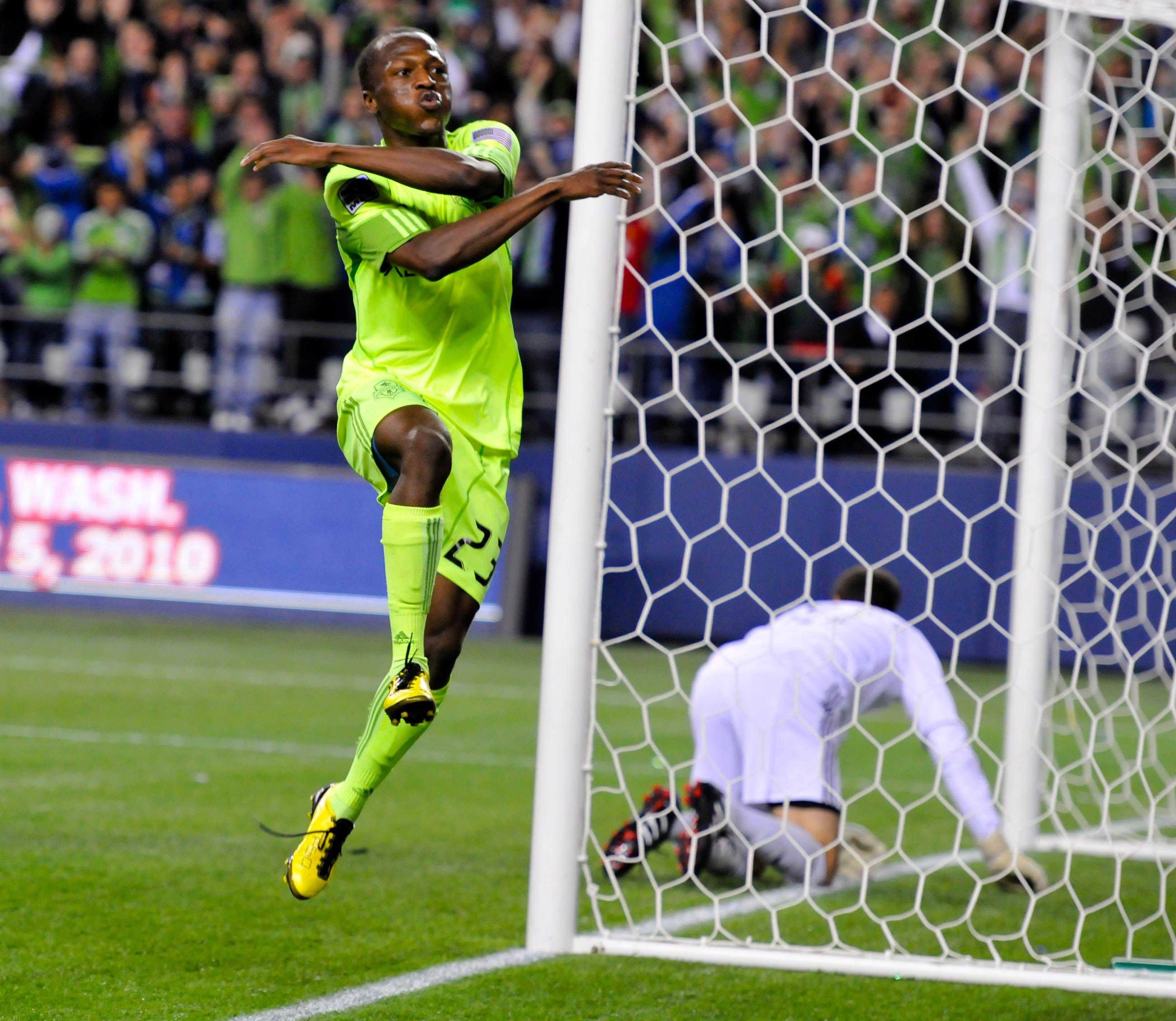 2010 US Open Cup Final: Sanna Nyassi of Seattle Sounders easy