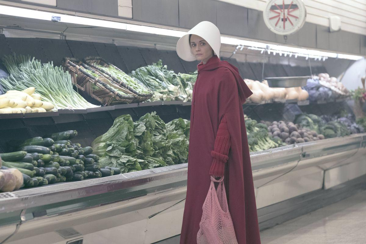 "The Handmaid's Tale season 1, episode 5: ""Faithful"" tries to add ..."