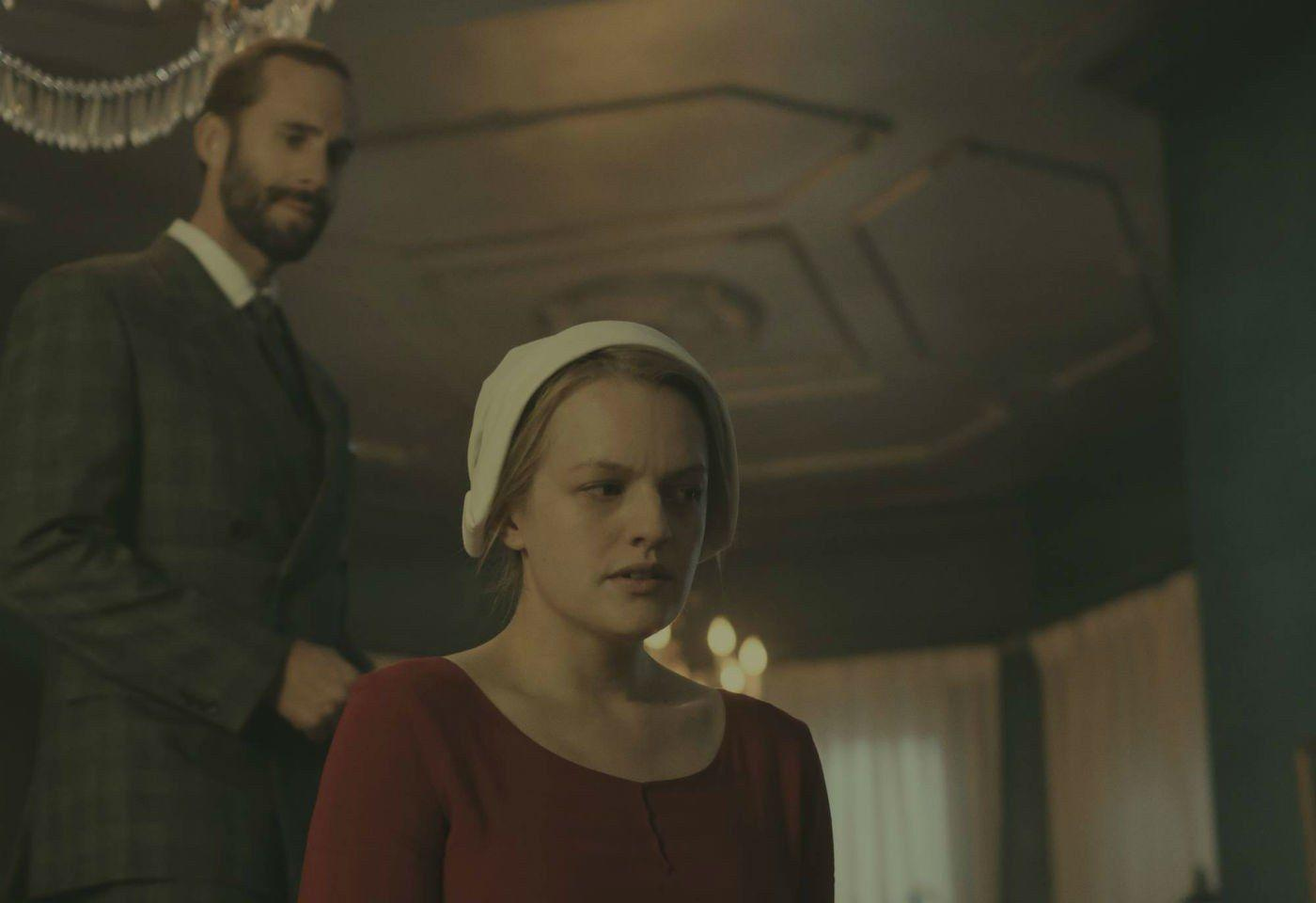 "Handmaid's Tale: Yvonne Strahovski Has Sympathy for her ""Horrible ..."