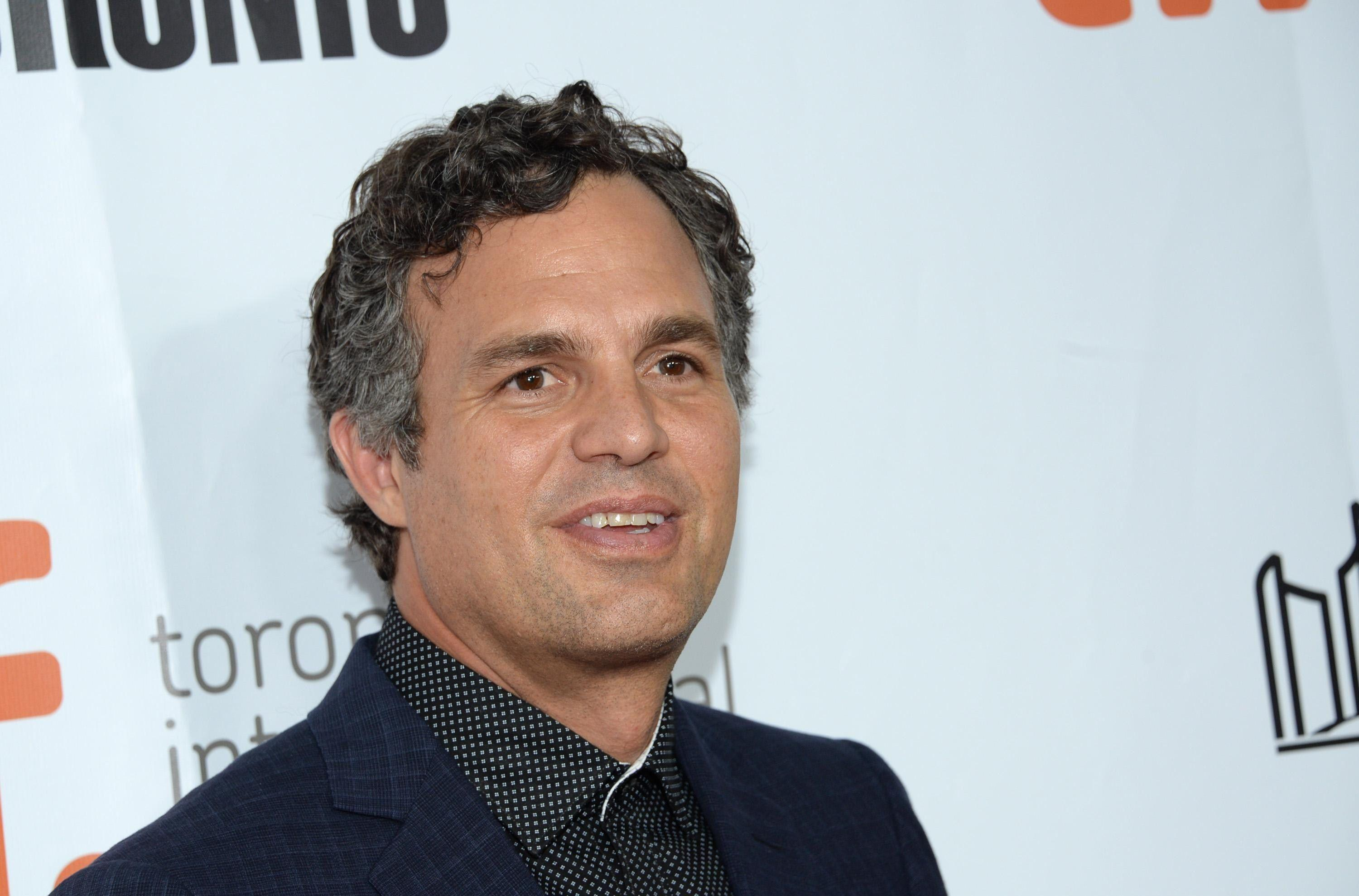 Mark Ruffalo cute hd wallpapers