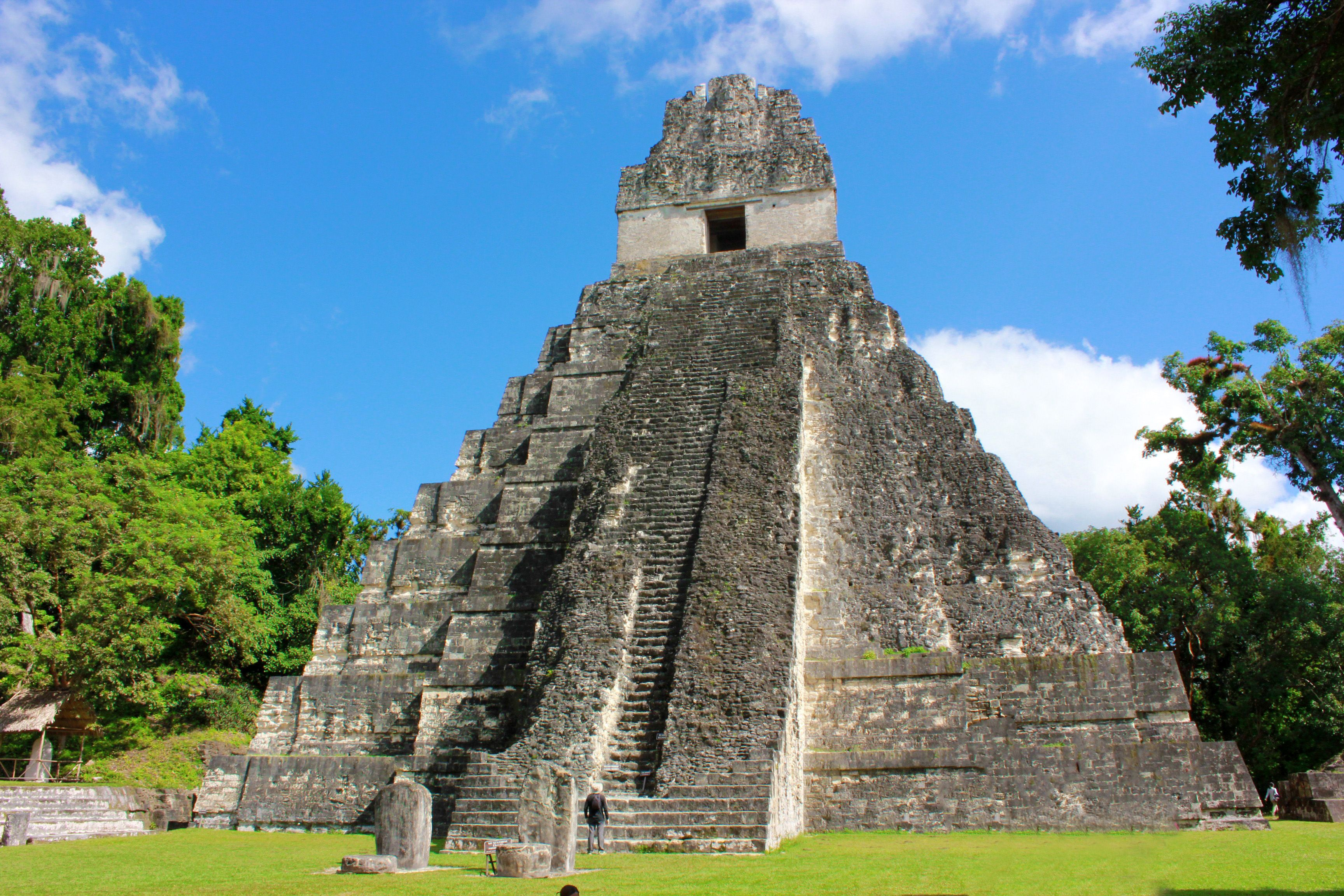 12 Surprising Things You Might Not Know About Tikal Maya Ruins ...