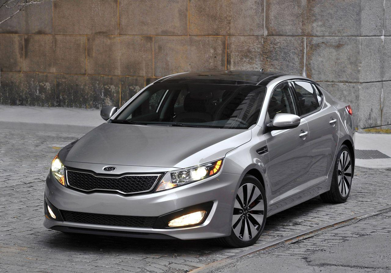 2011 Kia Optima Wallpaper