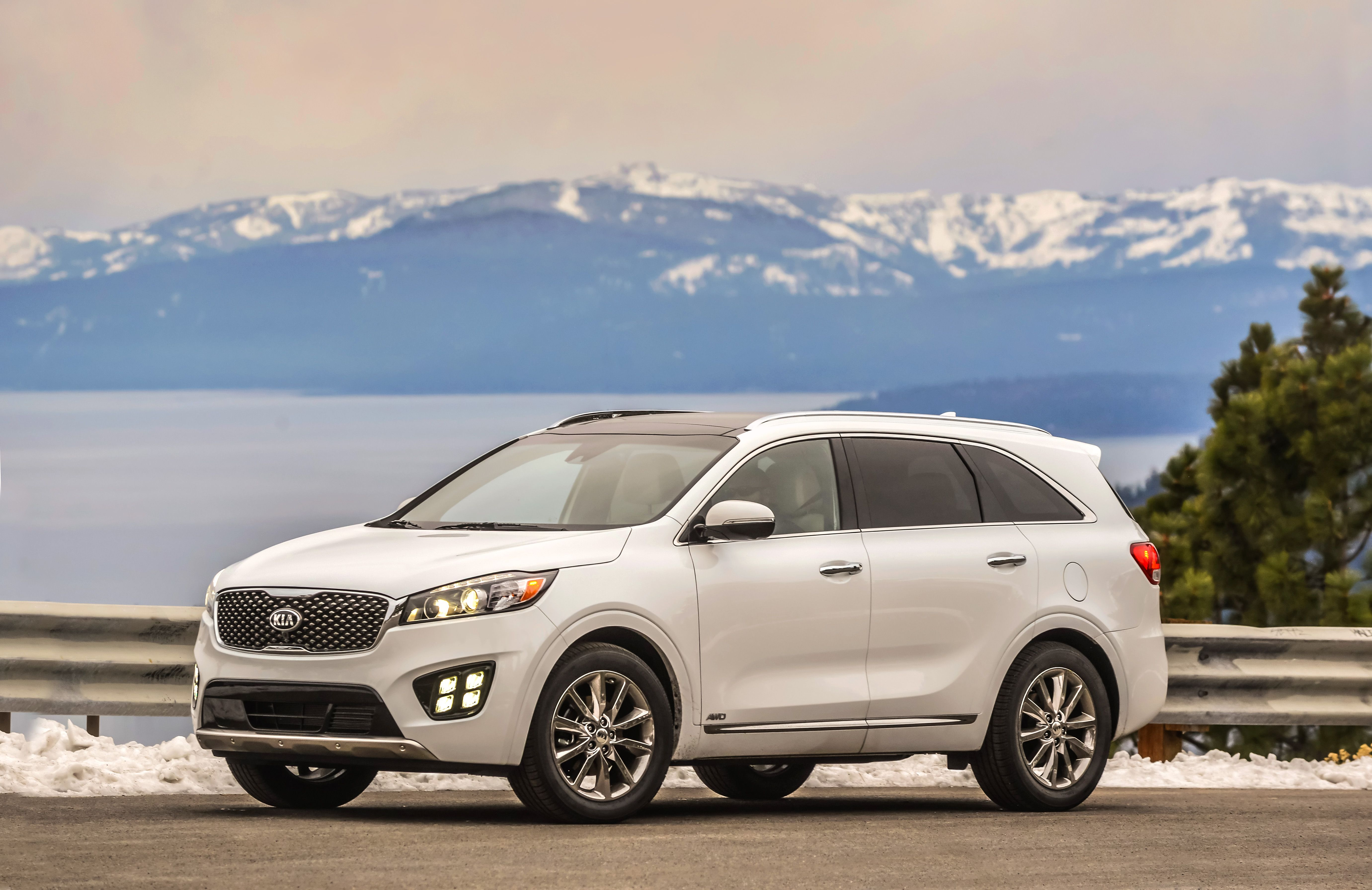 Kia Sorento 2016 HD wallpapers free download