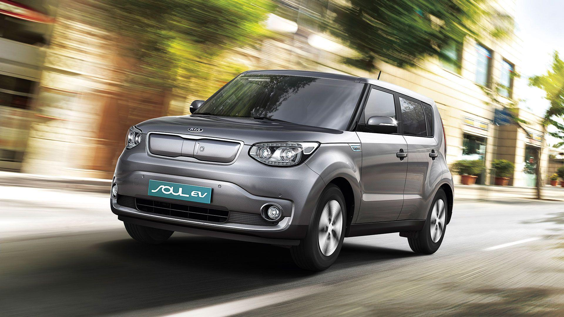 Silver Kia Soul EV electric vehicle in motion wallpapers and images ...