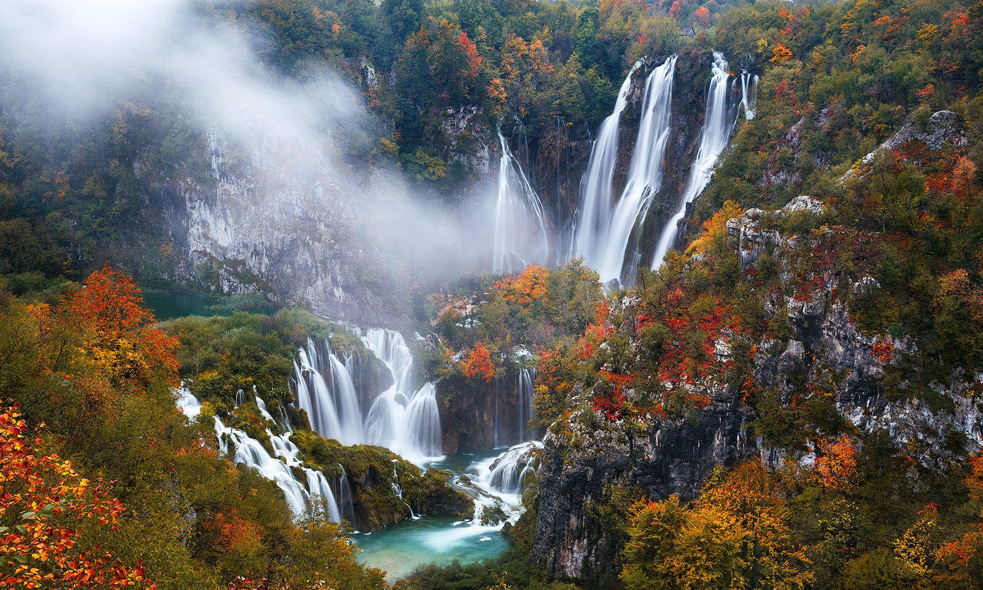 Plitvice Lakes National Park in Autumn Full HD Wallpapers and