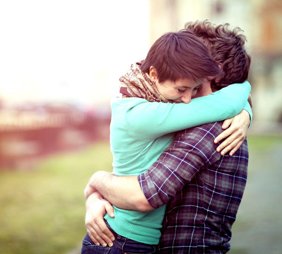 romantic couple hug hd wallpapers - wallpaper cave
