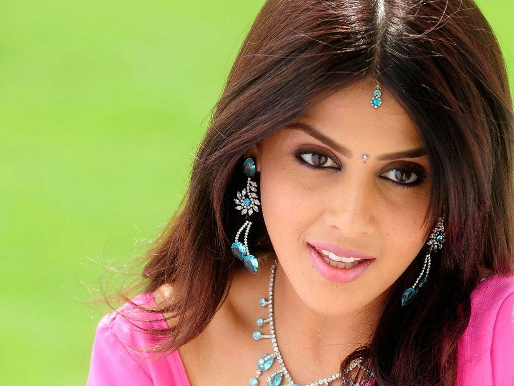 Anjali tamil actress wallpapers in jpg format for free download.