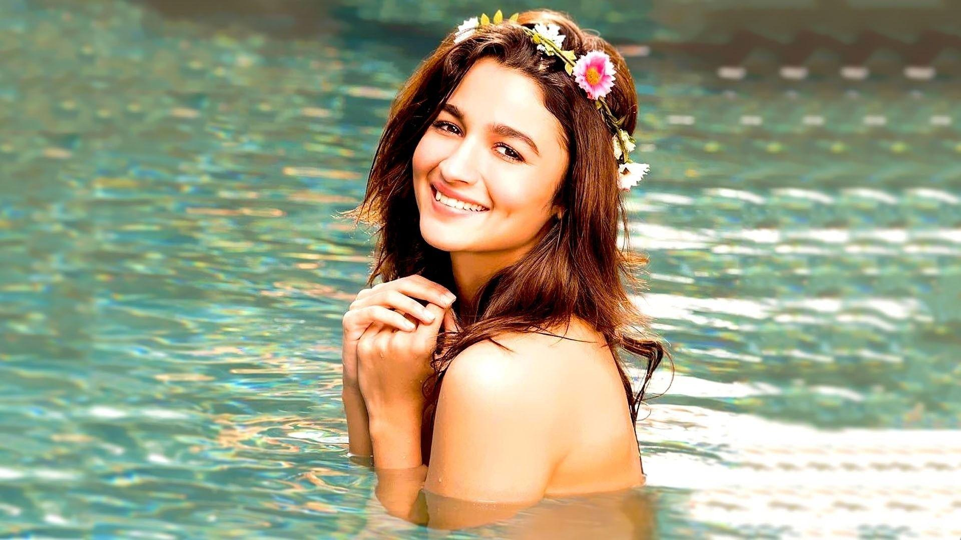 Alia Bhatt Full HD 1080p Image Photos Pics Wallpapers