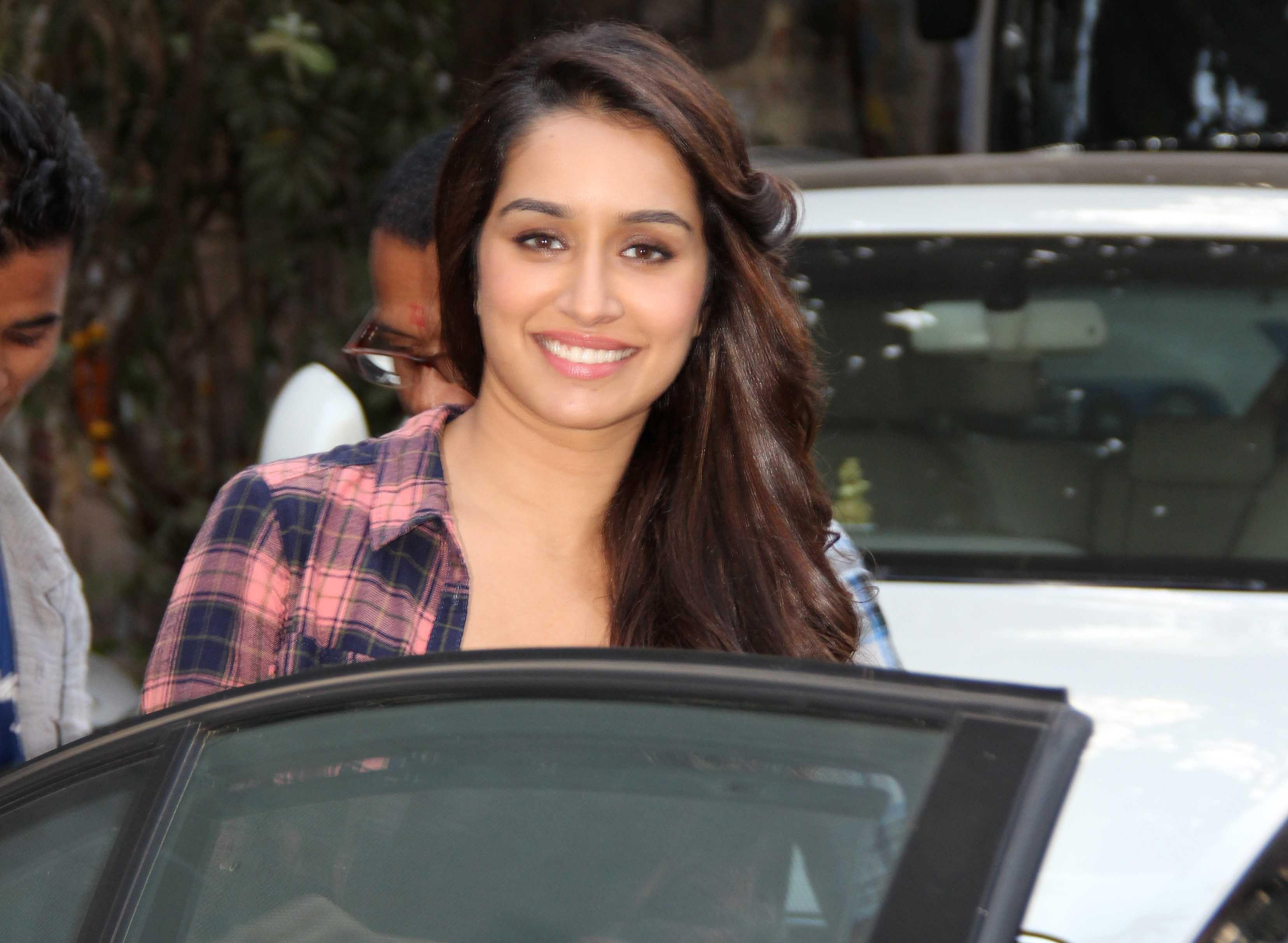 shraddha kapoor smile hd wallpapers - wallpaper cave
