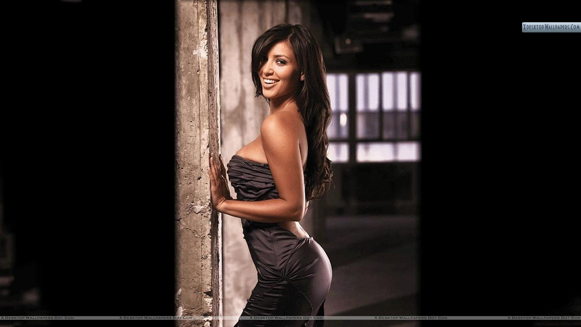 Kim Kardashian Pose In Black Dress Wallpapers