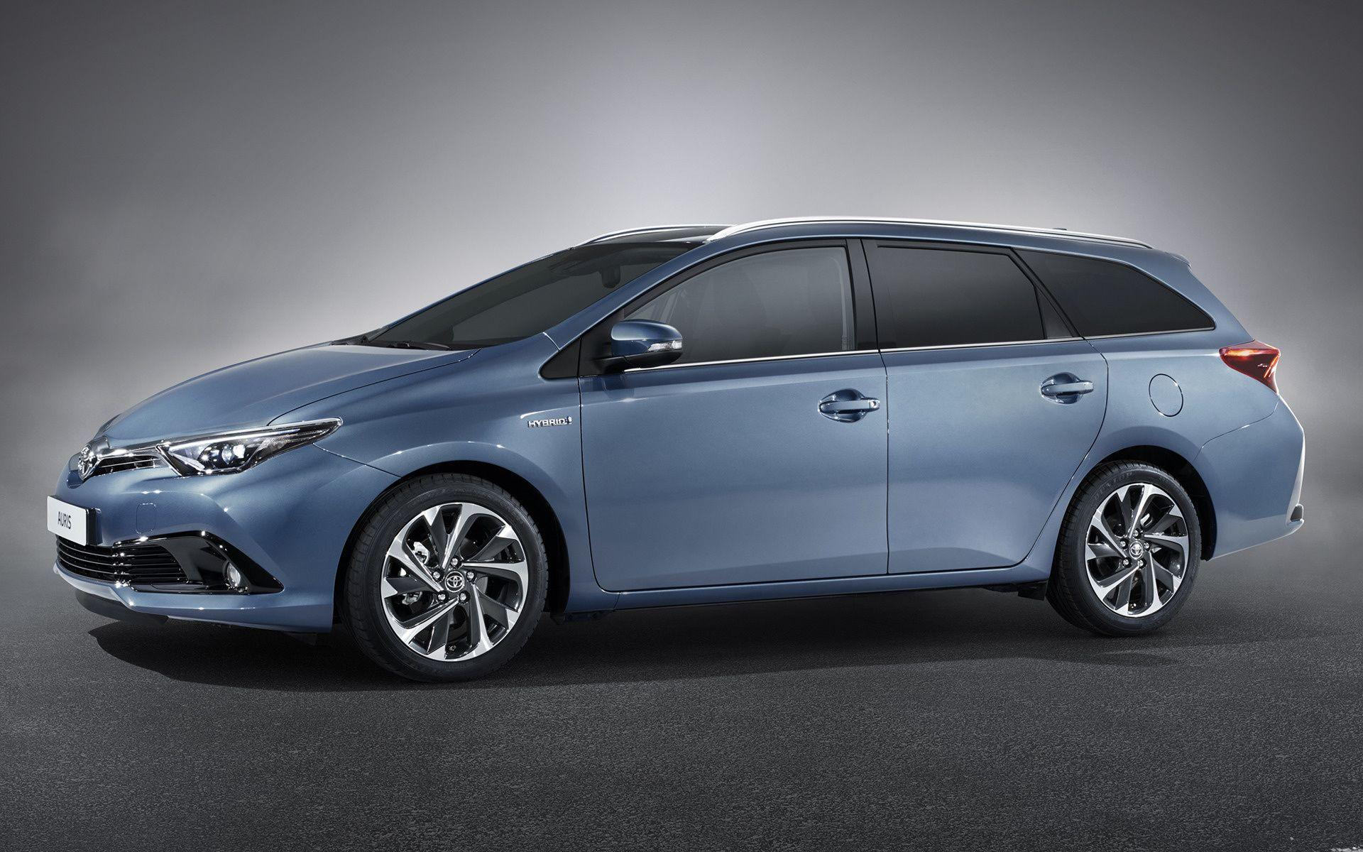 Toyota Auris Touring Sports Hybrid (2015) Wallpapers and HD Images ...