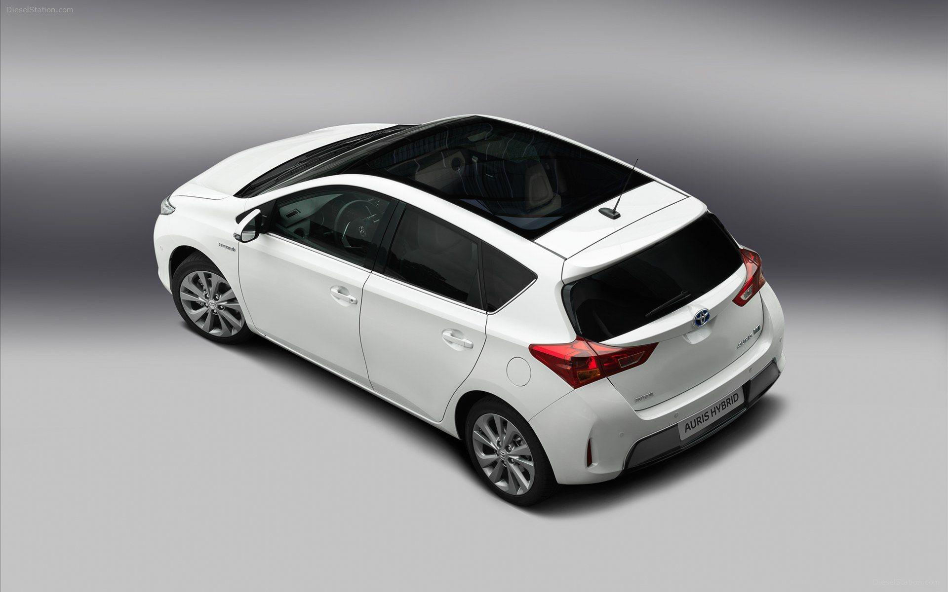 Toyota Auris Hybrid 2013 Widescreen Exotic Car Wallpapers of 24