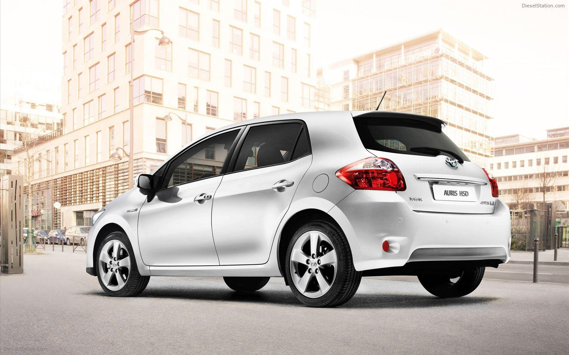 Toyota Auris HSD 2011 Widescreen Exotic Car Wallpapers of 22