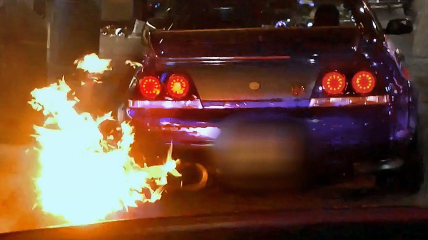 FIRE Shooting Nissan Skyline R33 GTR In London! (madness And Detail .