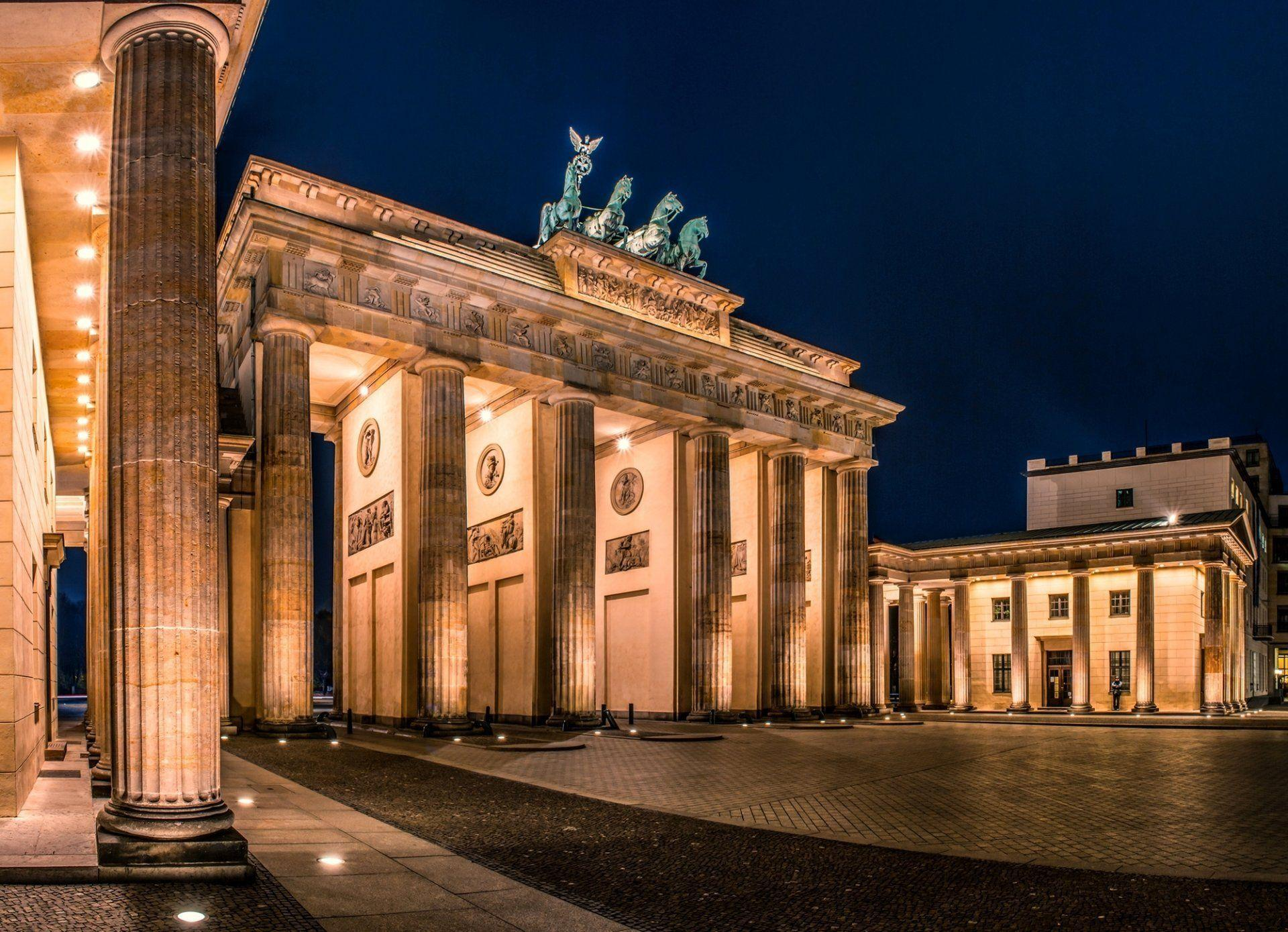 berlin deutschland germany brandenburger tor brandenburg gate town