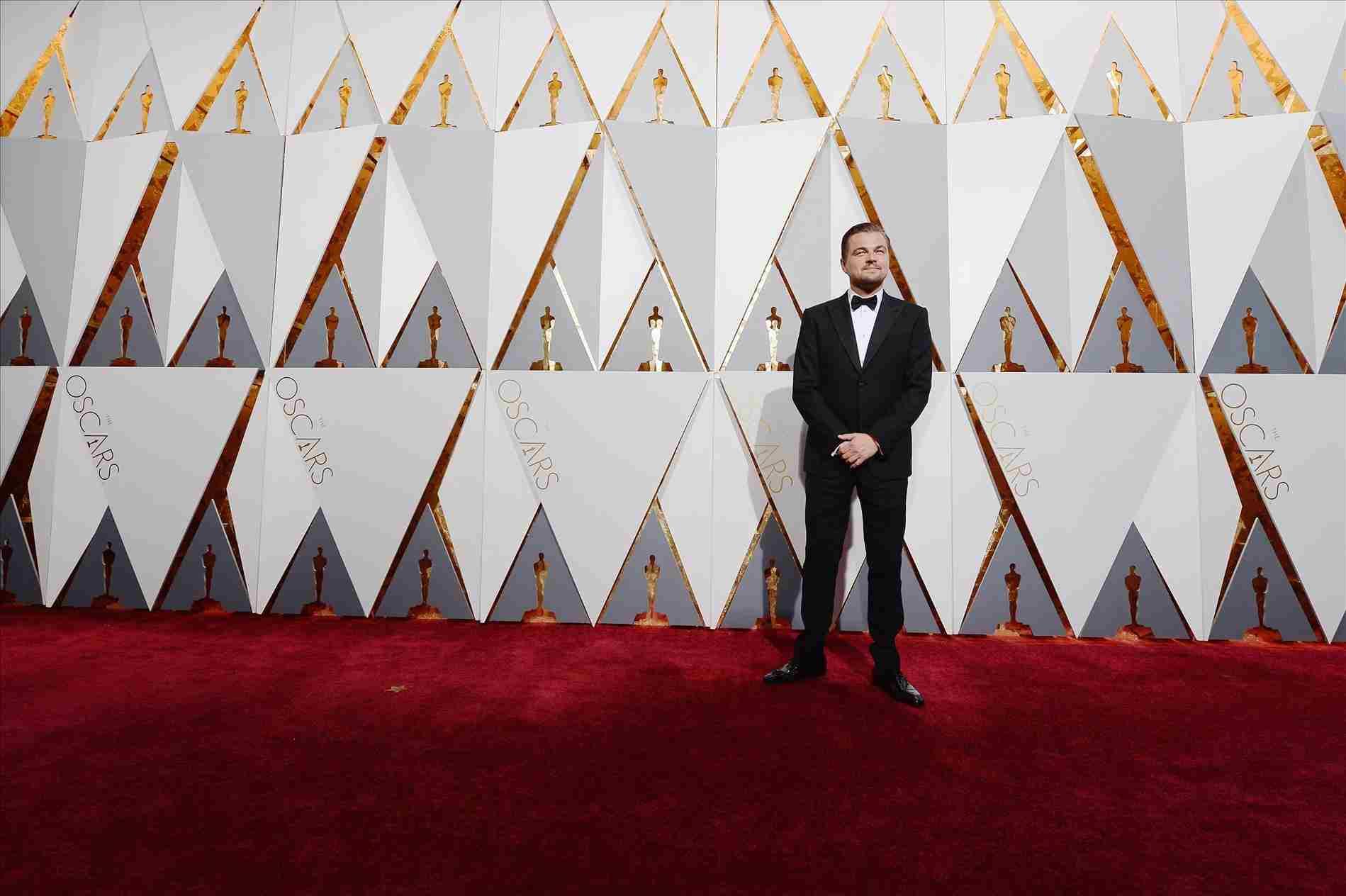 Red carpet backgrounds wallpaper cave - Oscar award wallpaper ...
