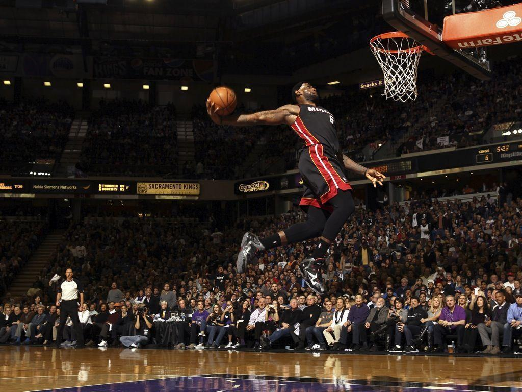 Lebron James Dunk Heat Wallpapers Wallpaper Cave