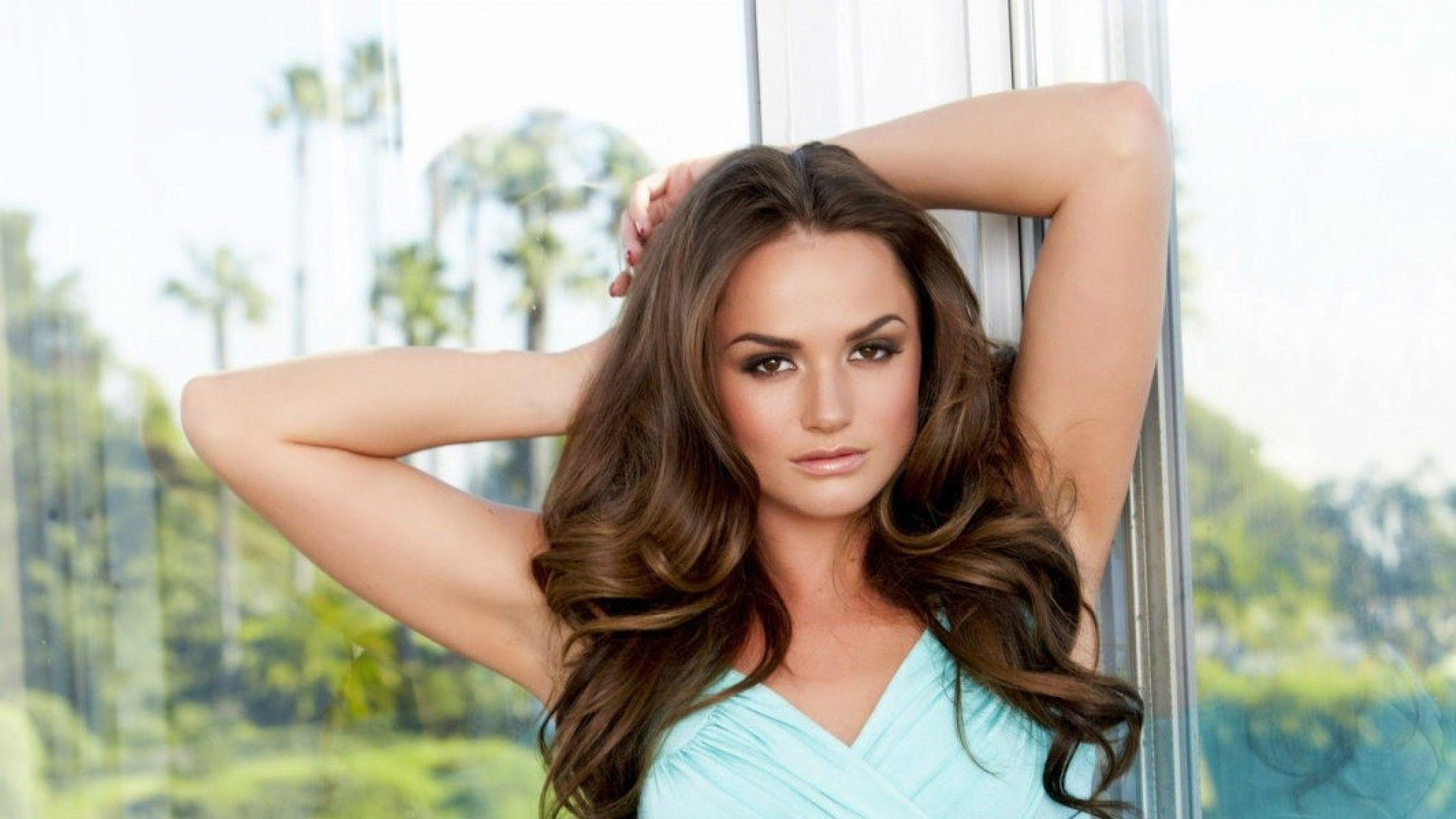 tori black iphone wallpaper