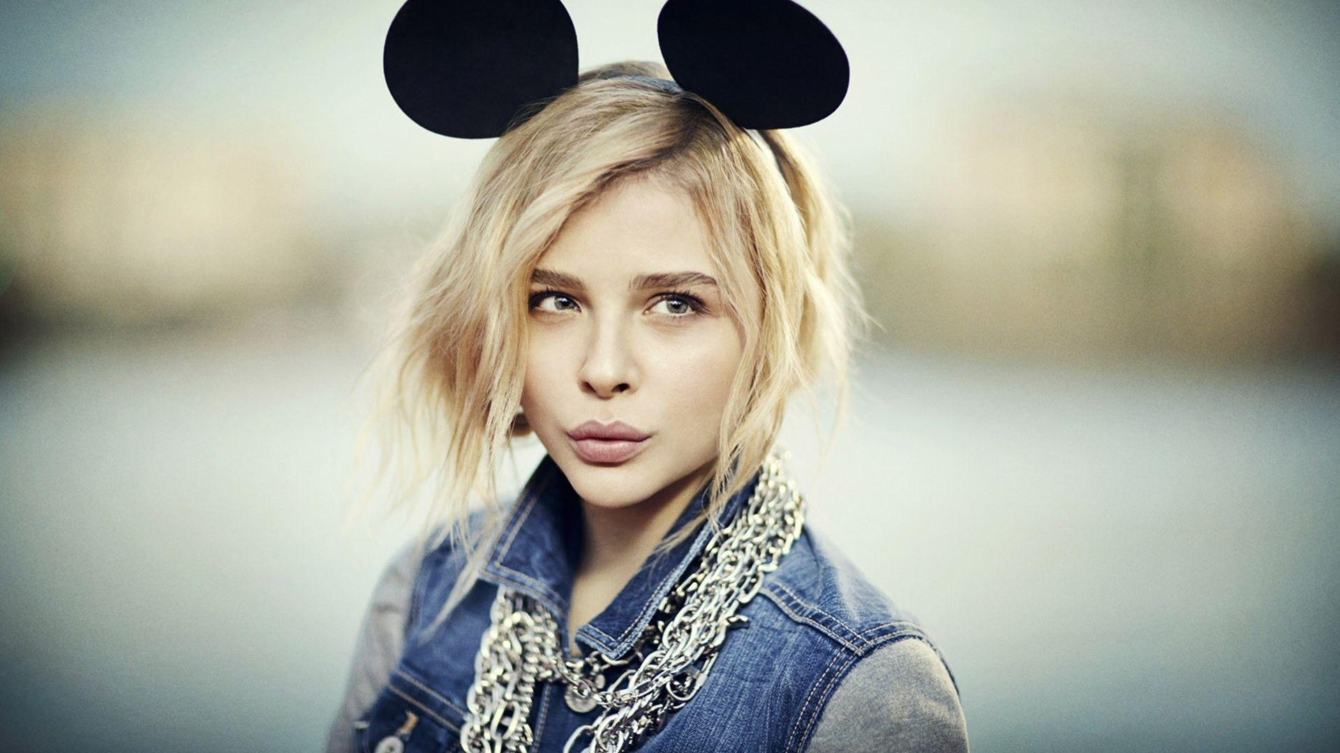 Cute Chloe Grace Moretz Wallpaper.