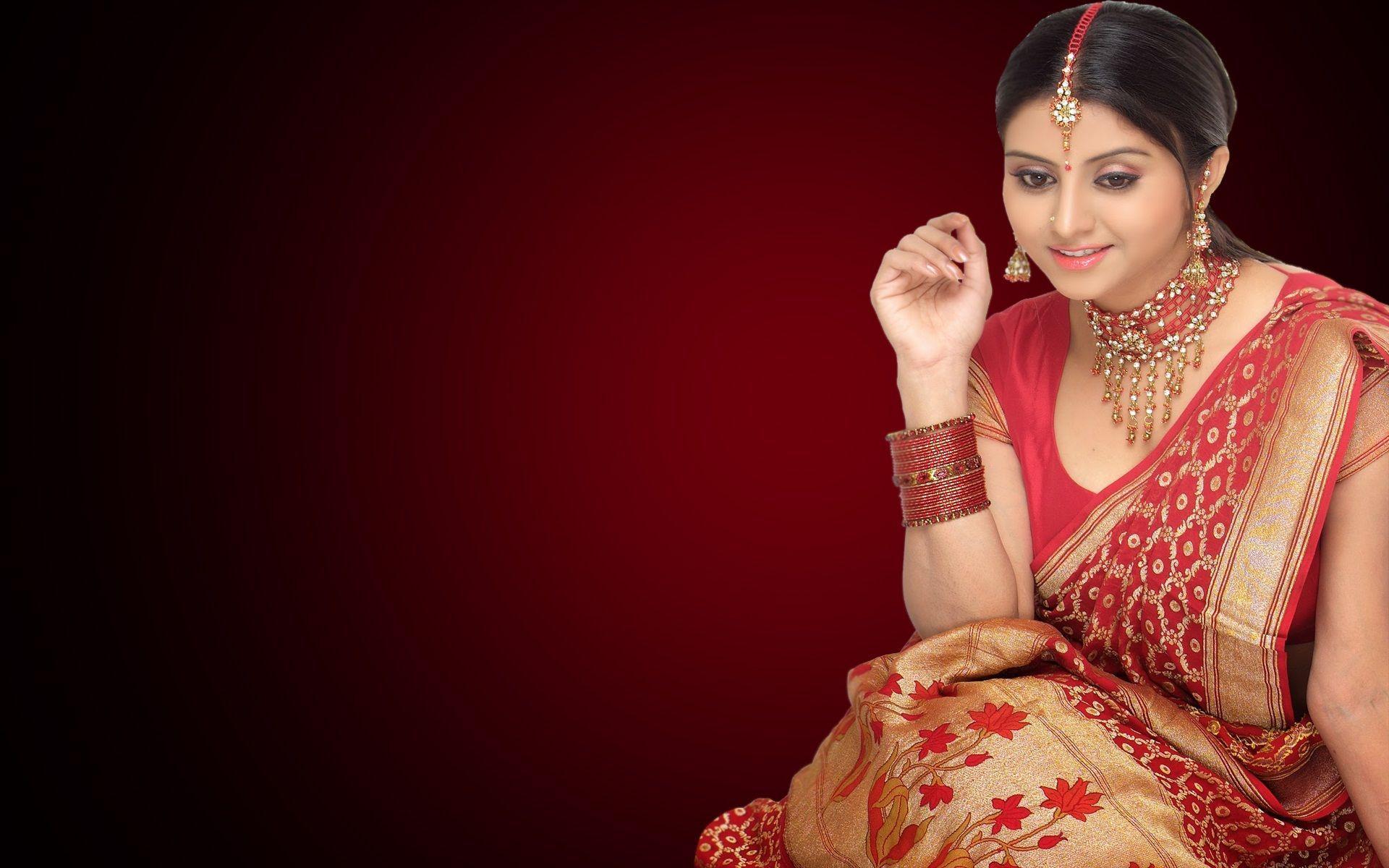 Indian Woman Dulhan Look Wallpaper