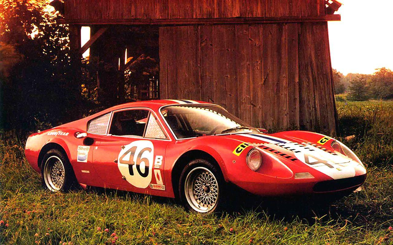 and Beautiful Ferrari Car Pictures and Wallpapers