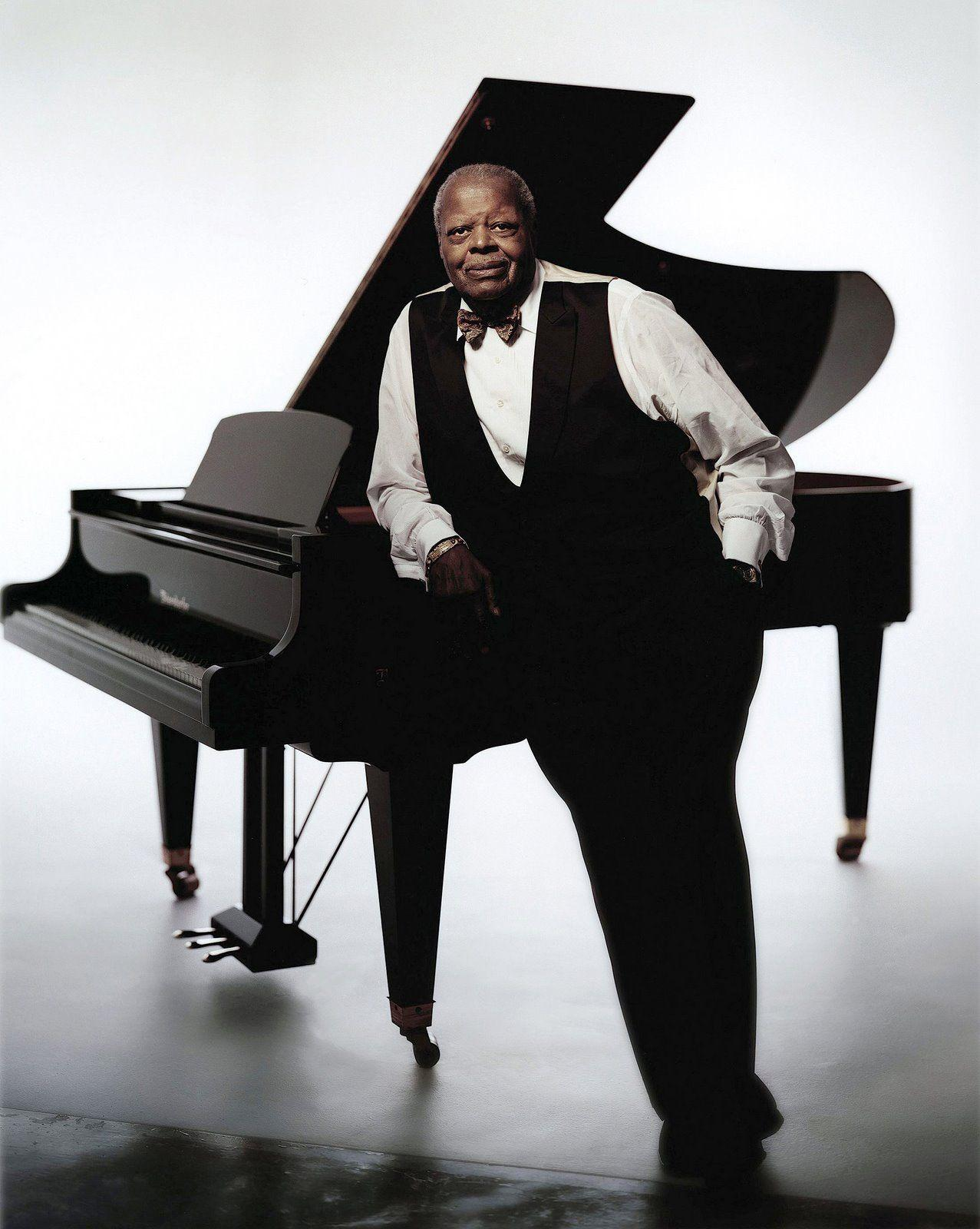 Louis Armstrong photo gallery - 18 best Louis Armstrong pics ...