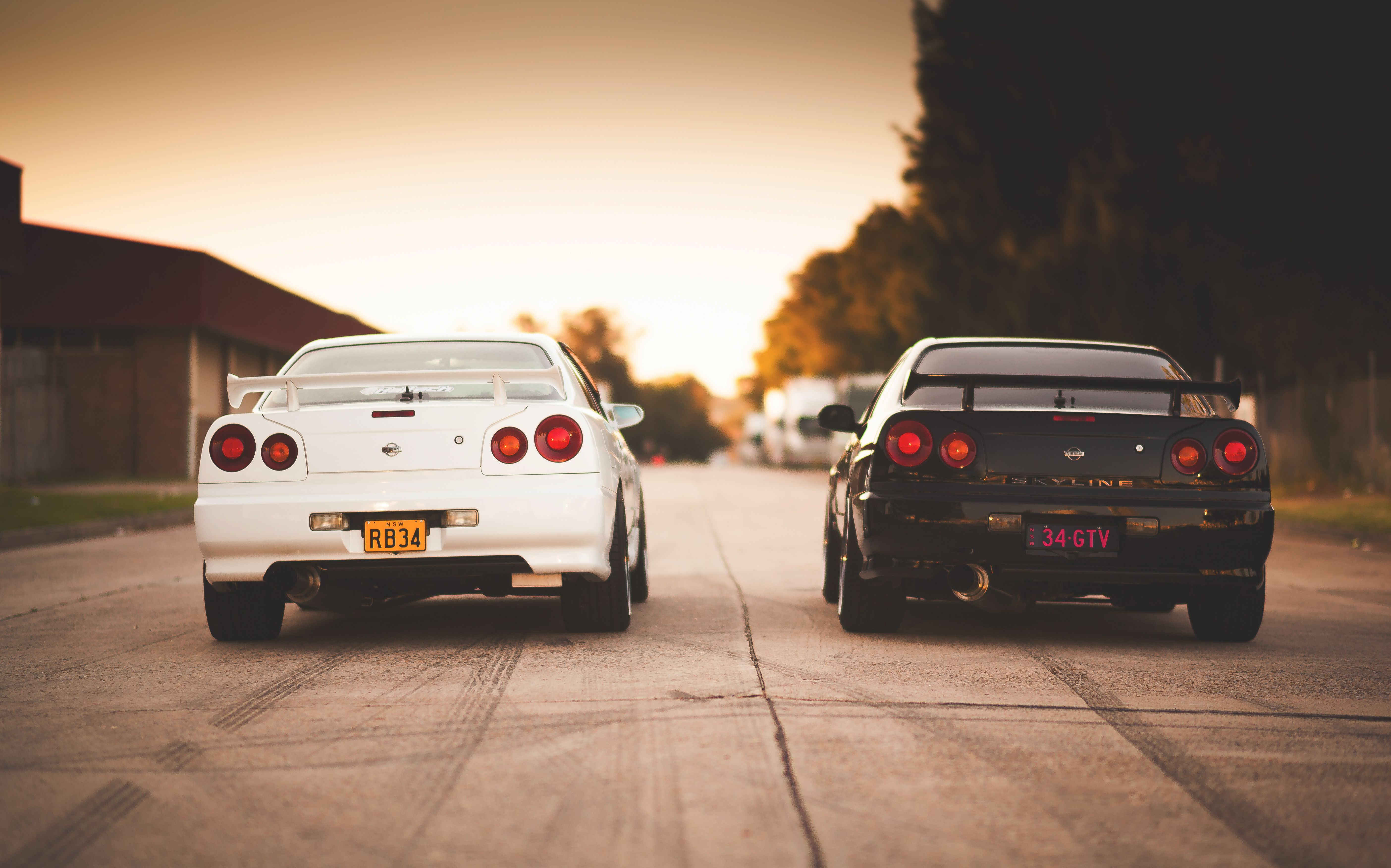 Images Nissan skyline R34 GT-R 2 auto Back view 5616x3505